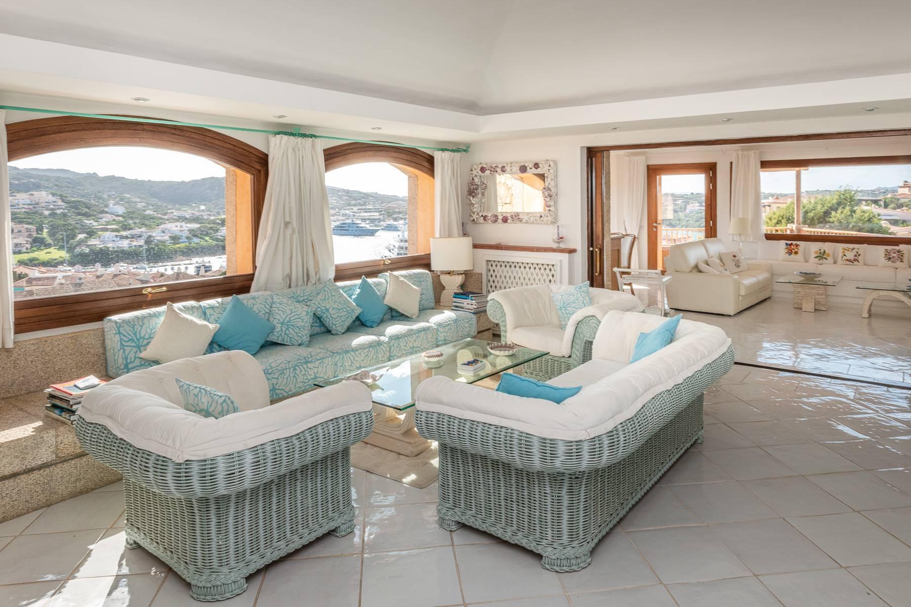 Importante villa indipendente con un impareggiabile panorama, nel cuore di Porto Cervo. - 7