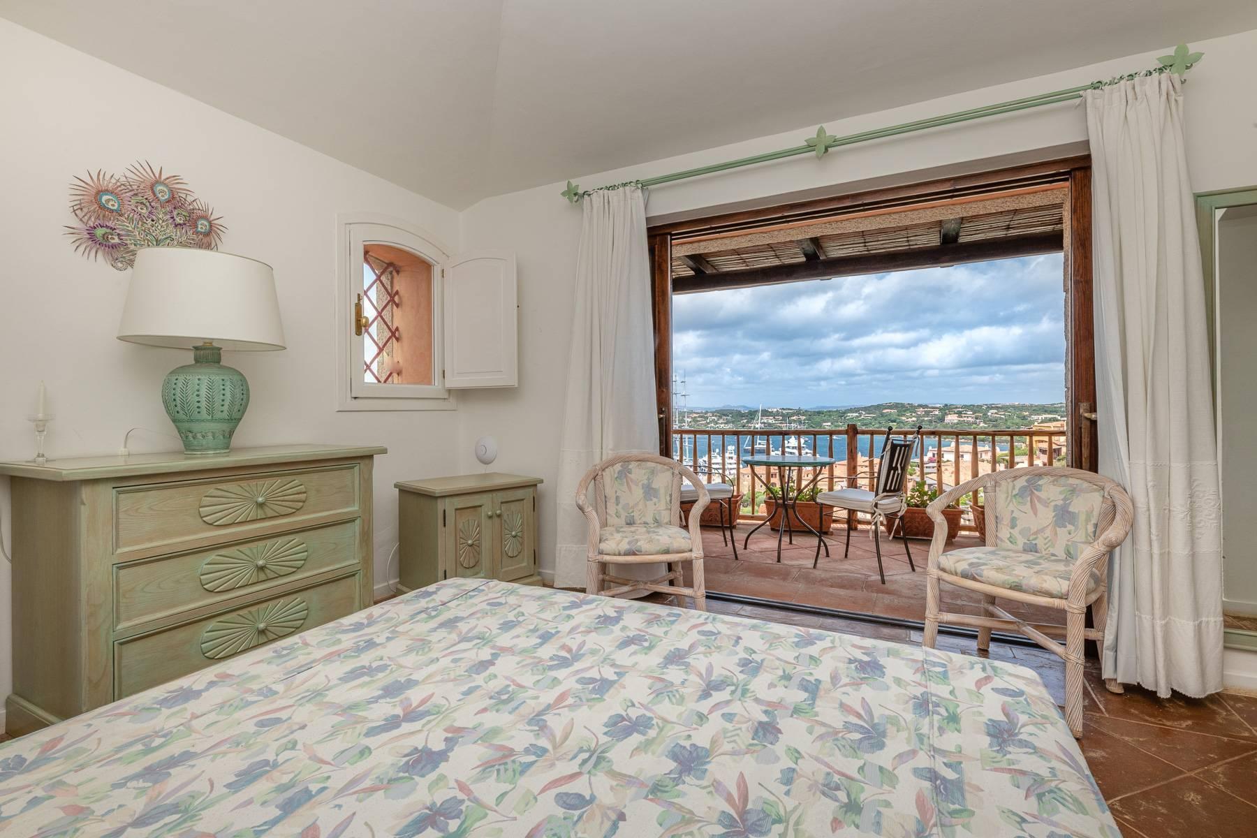 Importante villa indipendente con un impareggiabile panorama, nel cuore di Porto Cervo. - 12