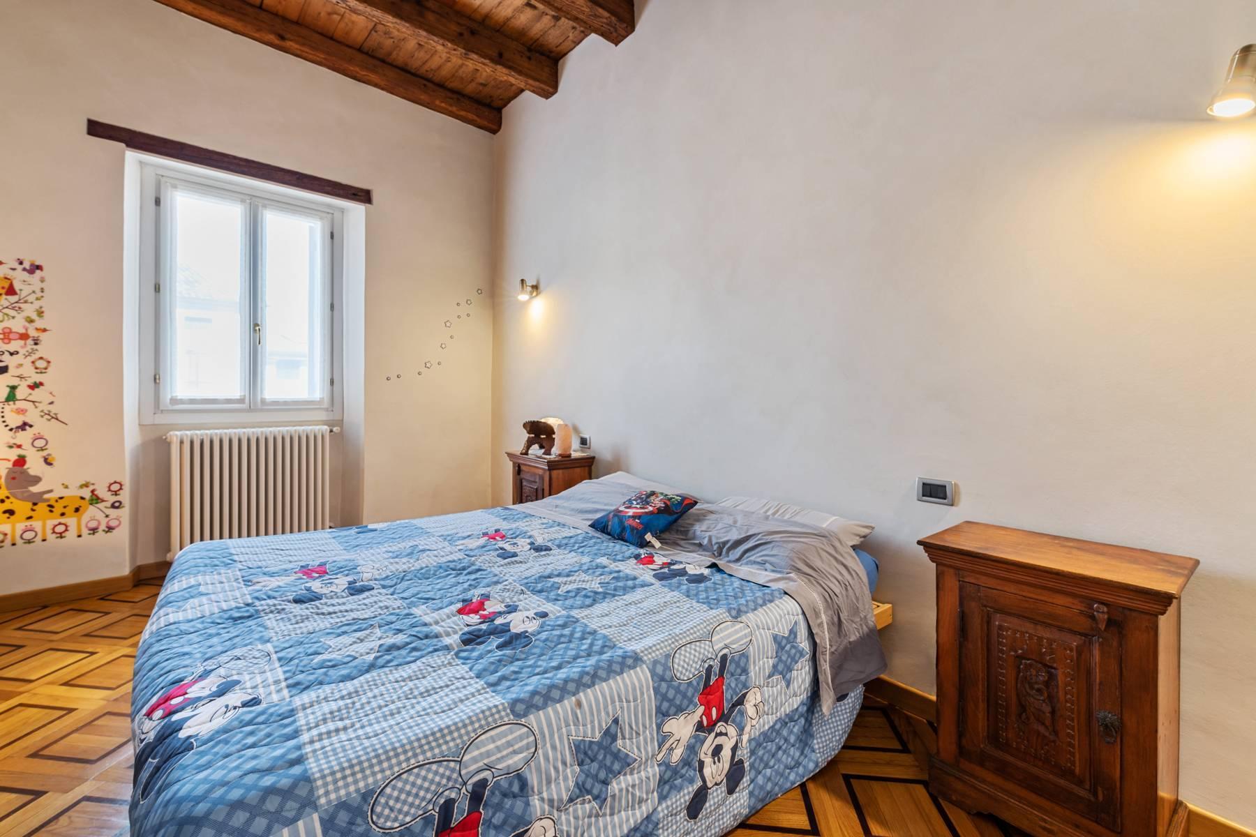 Renoviertes Gebäude aus dem 15. Jahrhundert im historischen Zentrum von Serravalle, Heimat des Malers Antonello Da Serravalle - 16