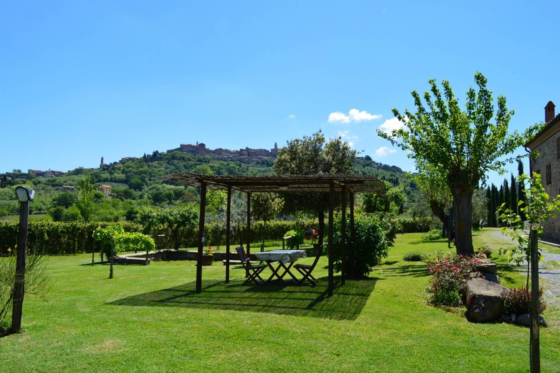 Beautiful country house with agriturismo and vineyard walking distance from Montepulciano - 2