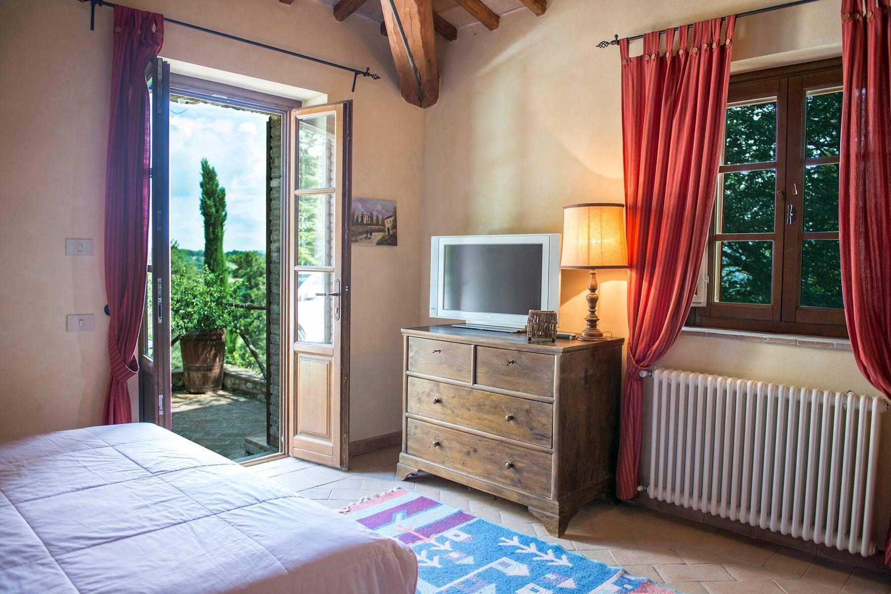 Stunning Farmhouse with pool on the border between Tuscany and Umbria - 26