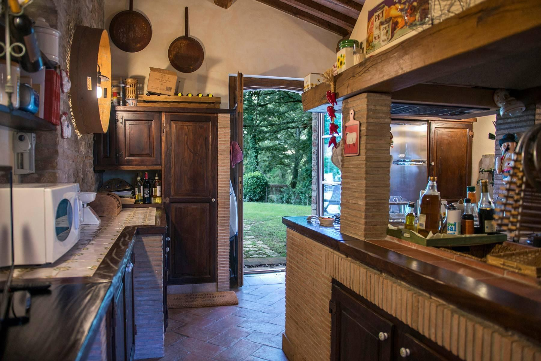 Stunning Farmhouse with pool on the border between Tuscany and Umbria - 34