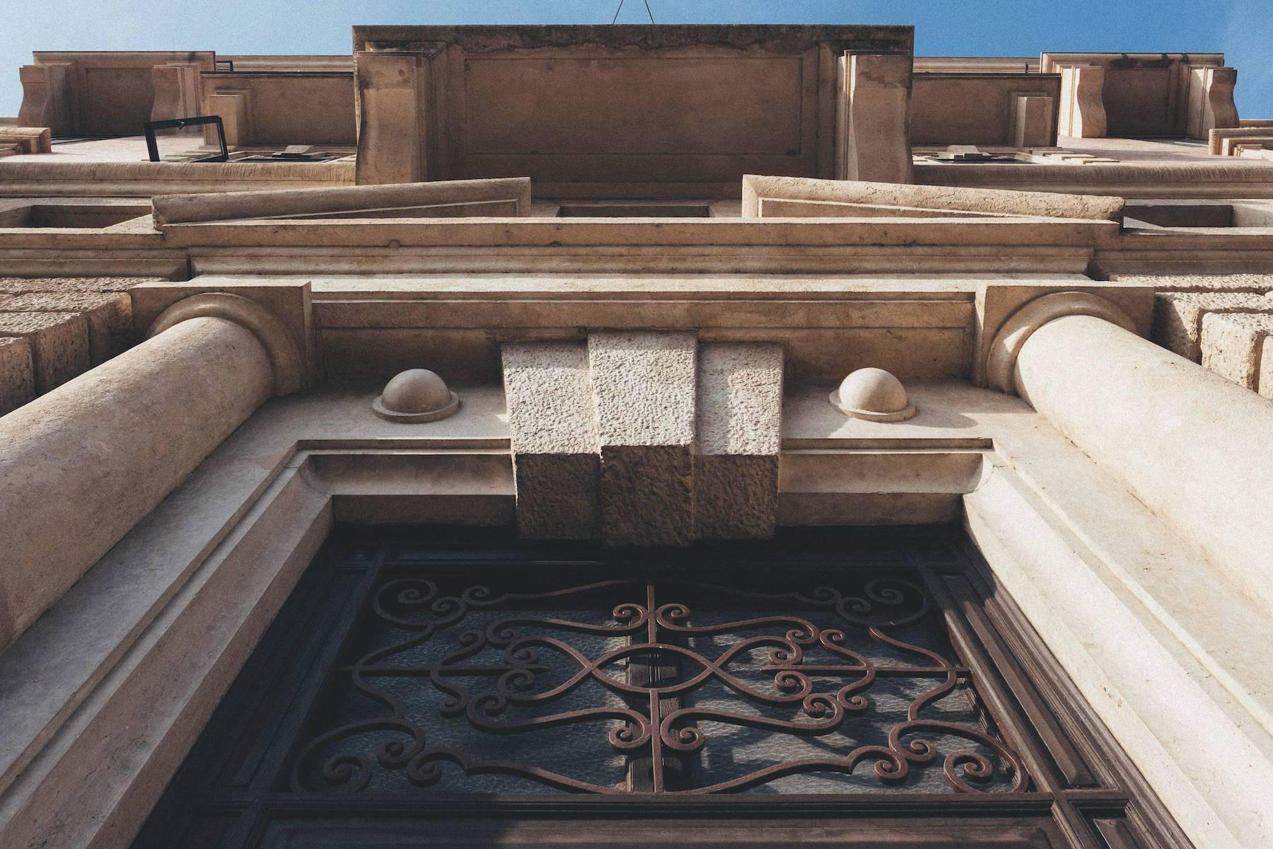 Herrliche Wohnung in einem eleganten historischen Gebäude mit Blick auf den Adige - 6