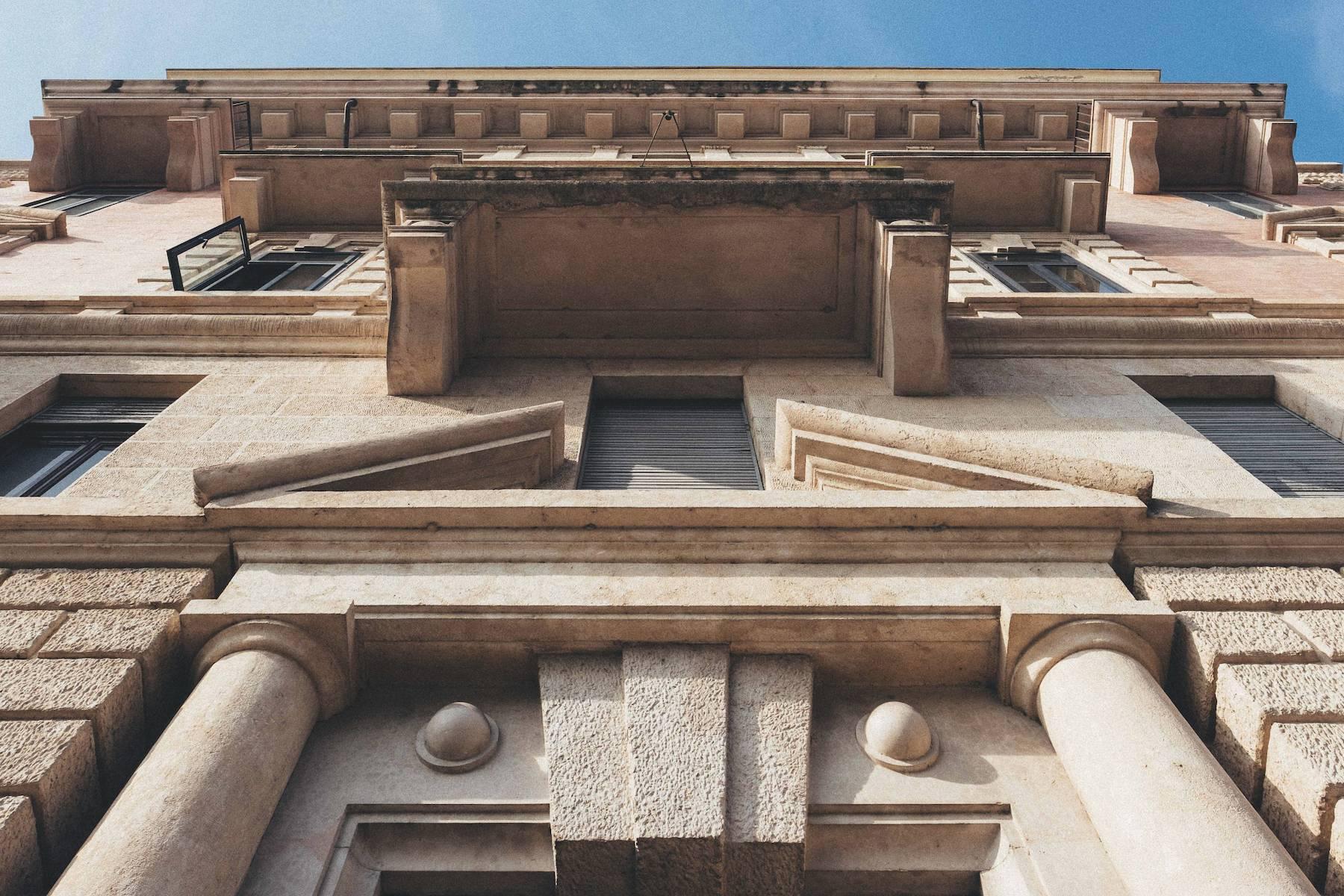 Herrliche Wohnung in einem eleganten historischen Gebäude mit Blick auf den Adige - 7