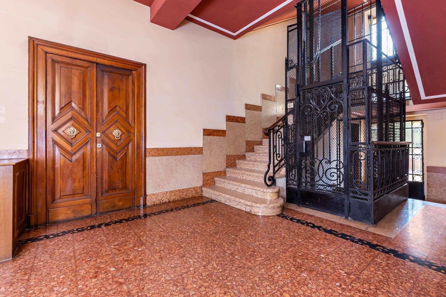 Herrliche Wohnung in einem eleganten historischen Gebäude mit Blick auf den Adige - 8