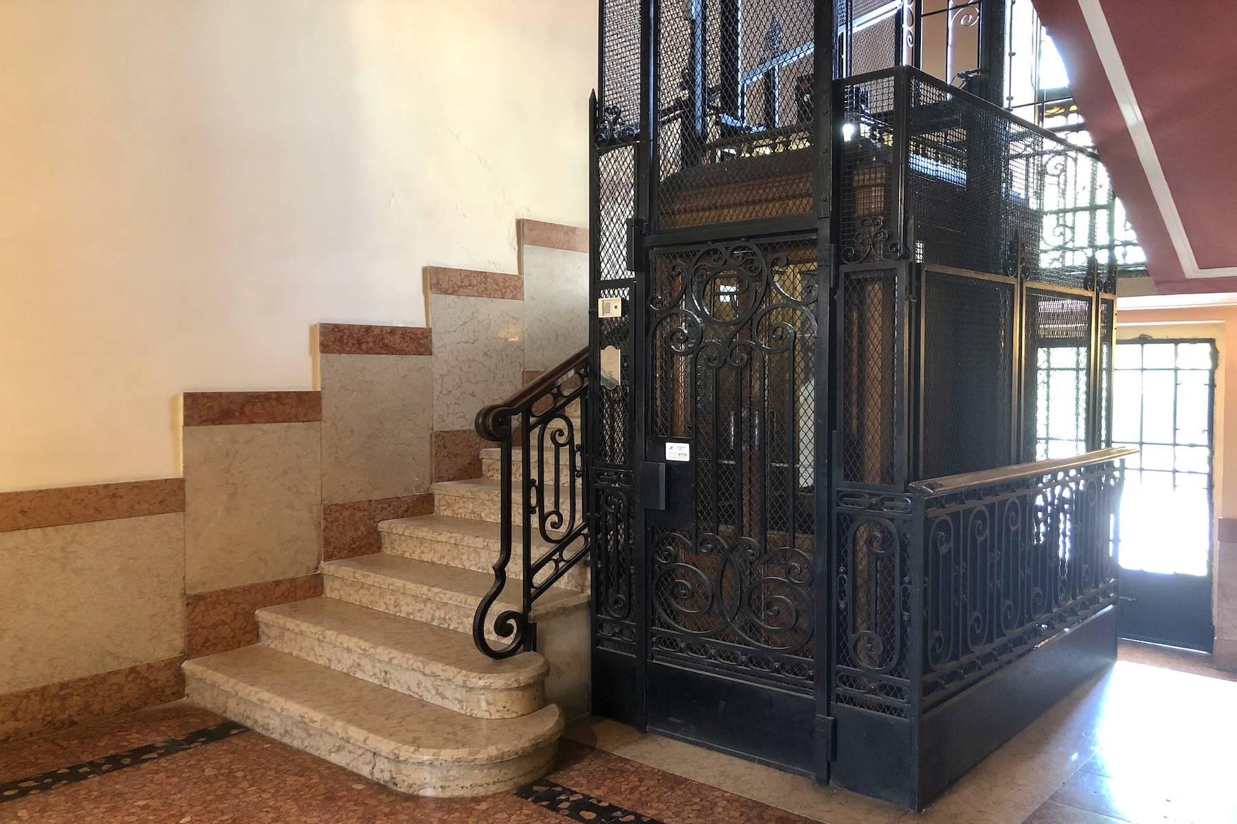 Herrliche Wohnung in einem eleganten historischen Gebäude mit Blick auf den Adige - 9
