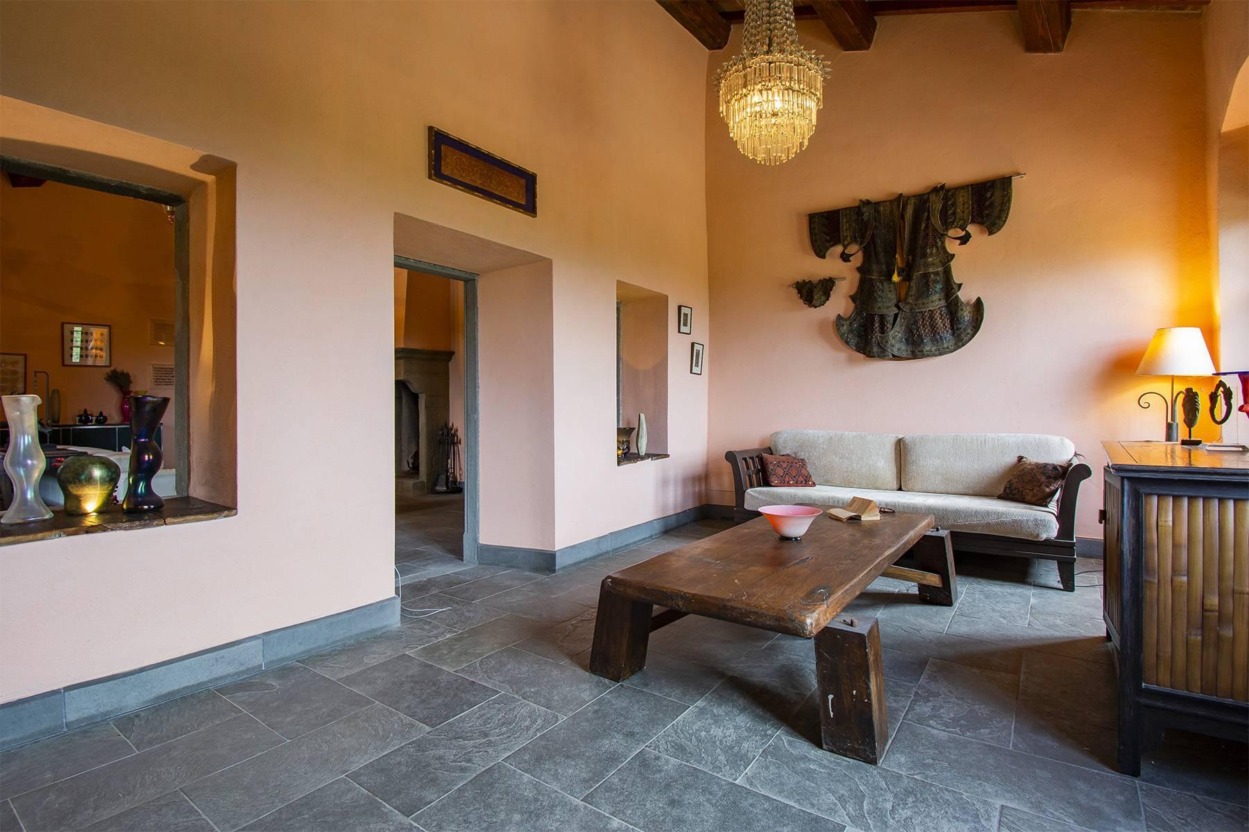 Panorama-Renaissance-Villa mit Garten im italienischen Stil - 9