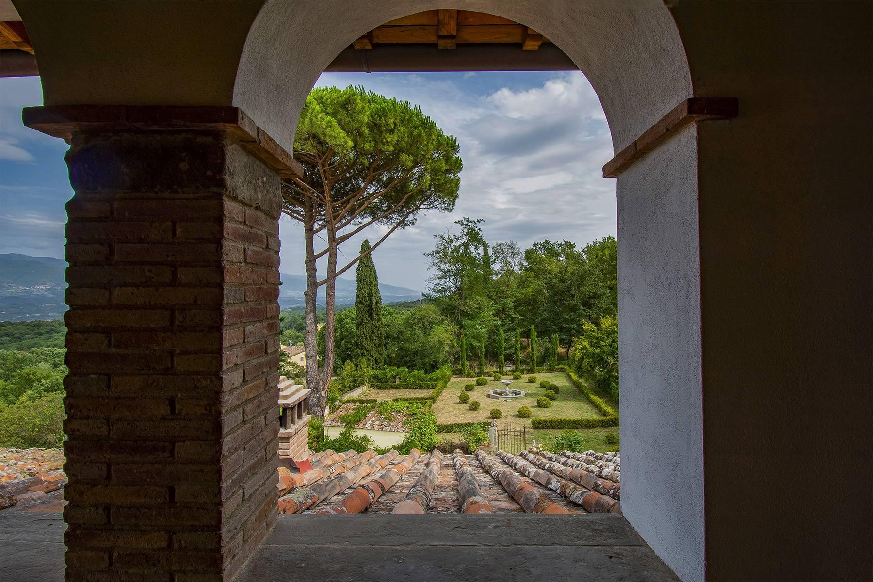 Panorama-Renaissance-Villa mit Garten im italienischen Stil - 22