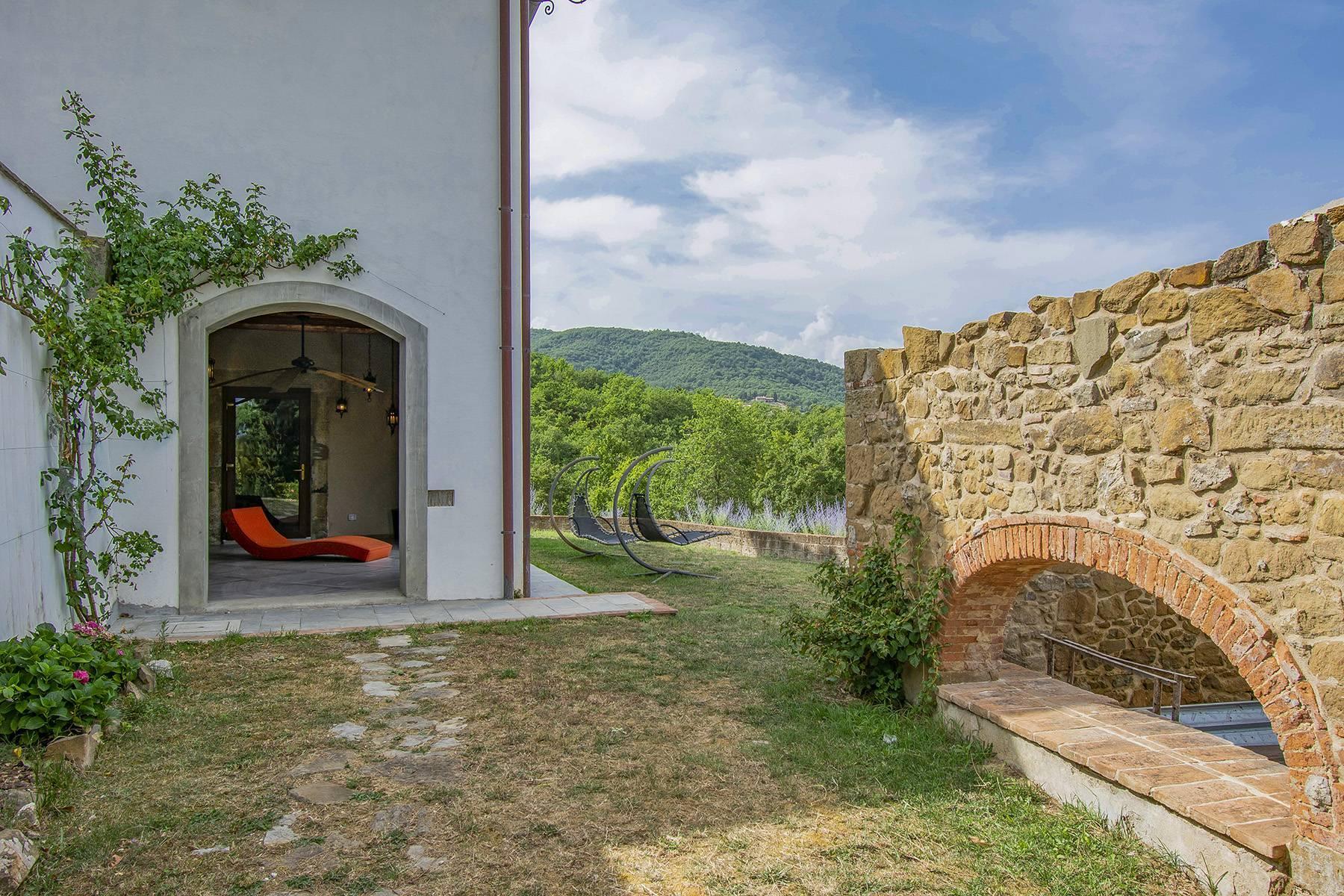 Panorama-Renaissance-Villa mit Garten im italienischen Stil - 27