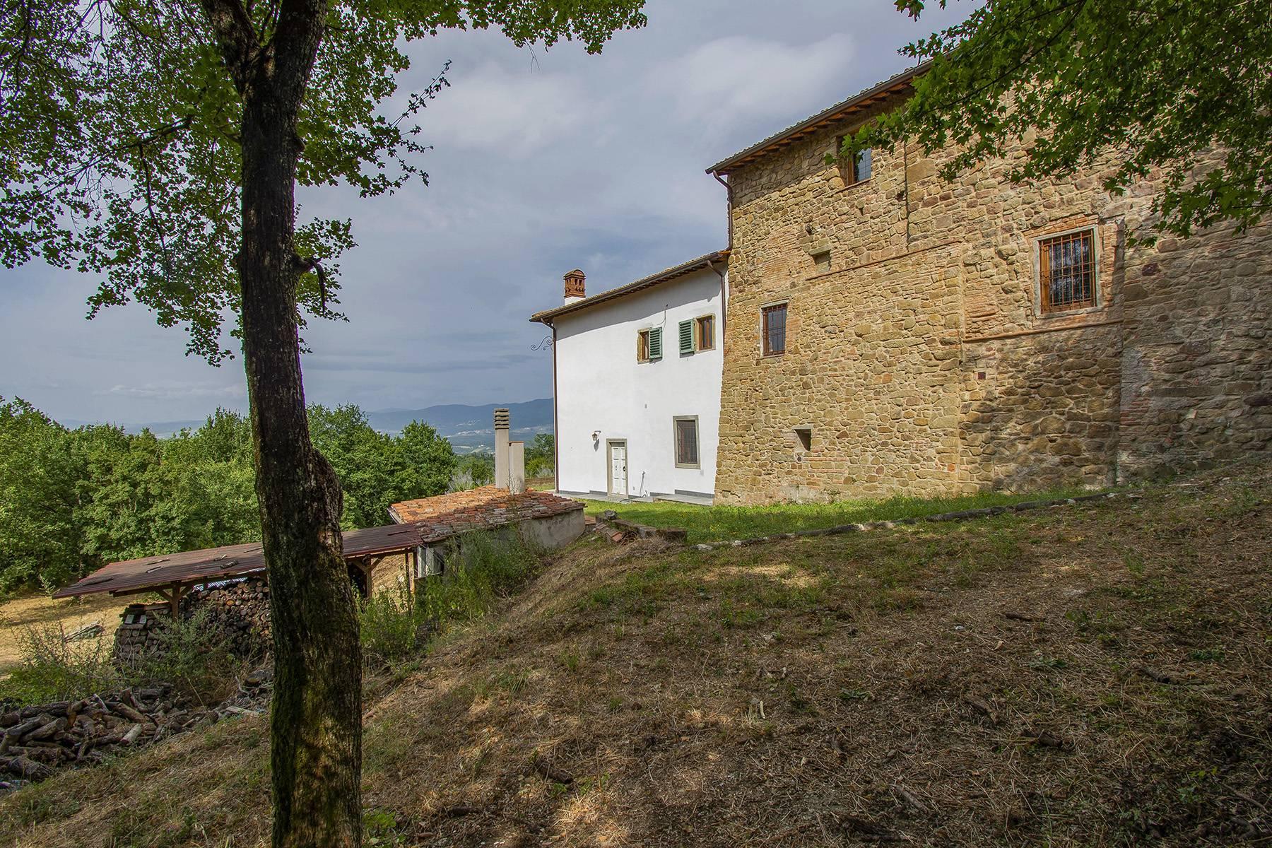 Panorama-Renaissance-Villa mit Garten im italienischen Stil - 34
