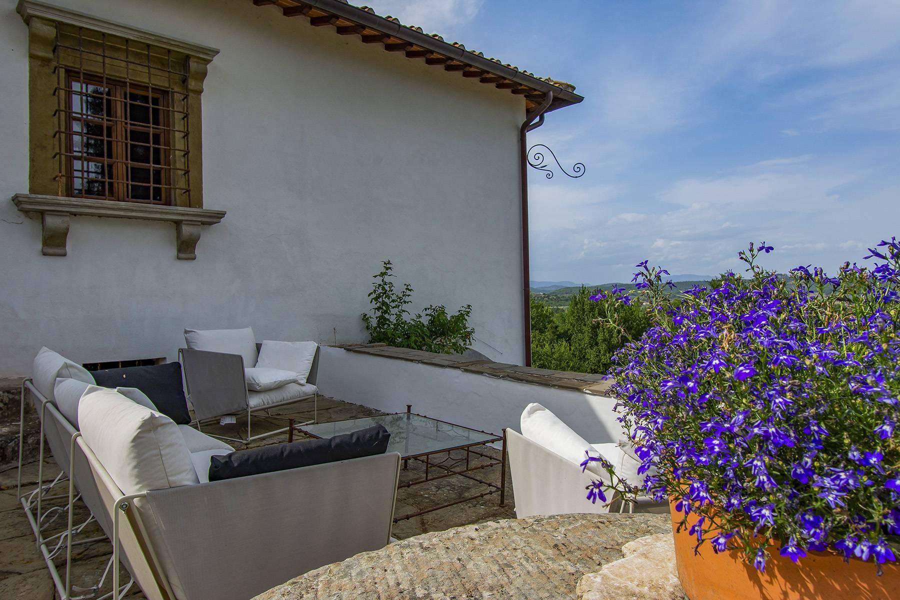 Panorama-Renaissance-Villa mit Garten im italienischen Stil - 35