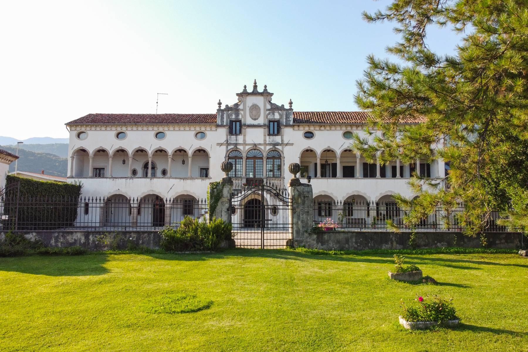 Elegant 17th century Venetian Villa with park on the hills of Treviso - 1