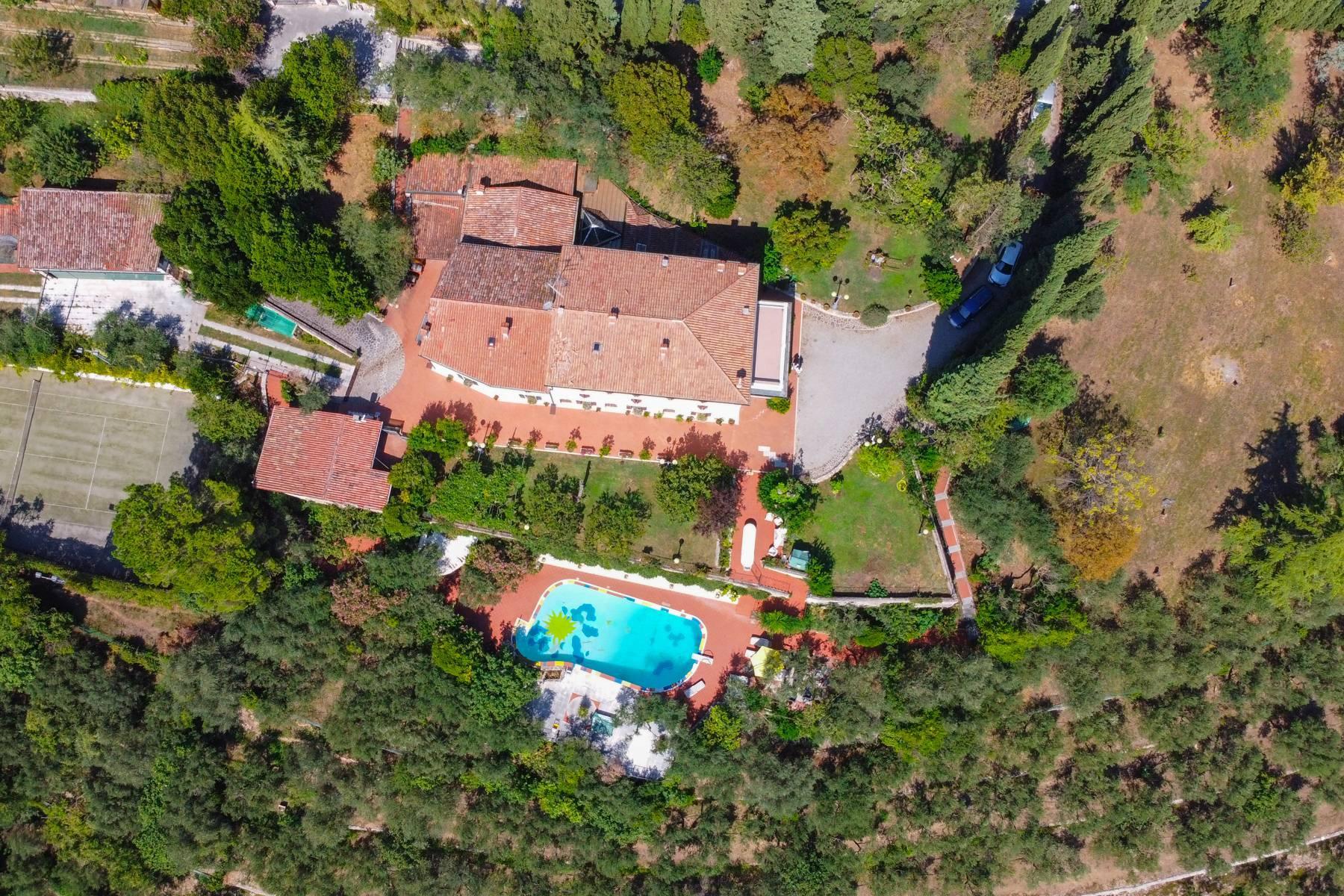 Storica villa di campagna con piscina e campo da tennis con tenuta nelle colline veronesi - 27