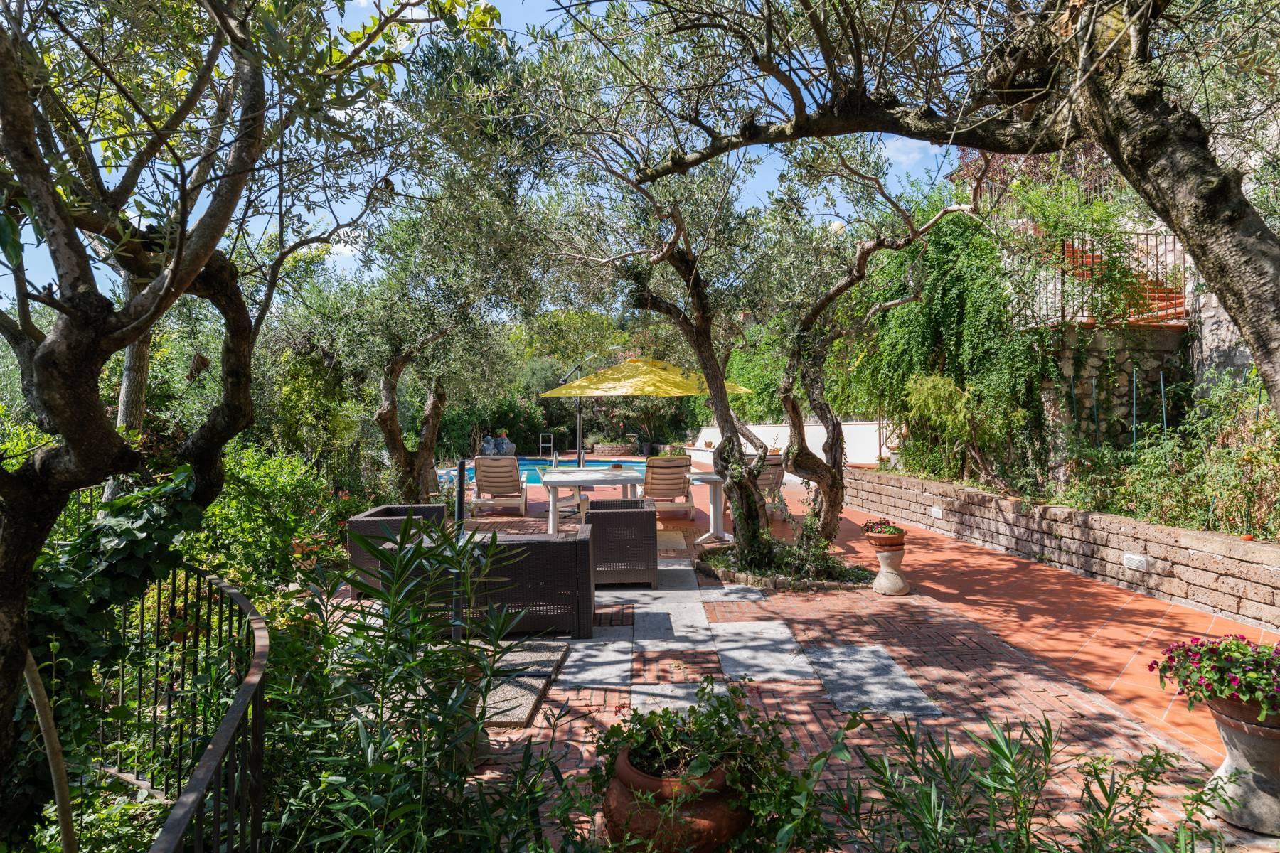 Storica villa di campagna con piscina e campo da tennis con tenuta nelle colline veronesi - 9