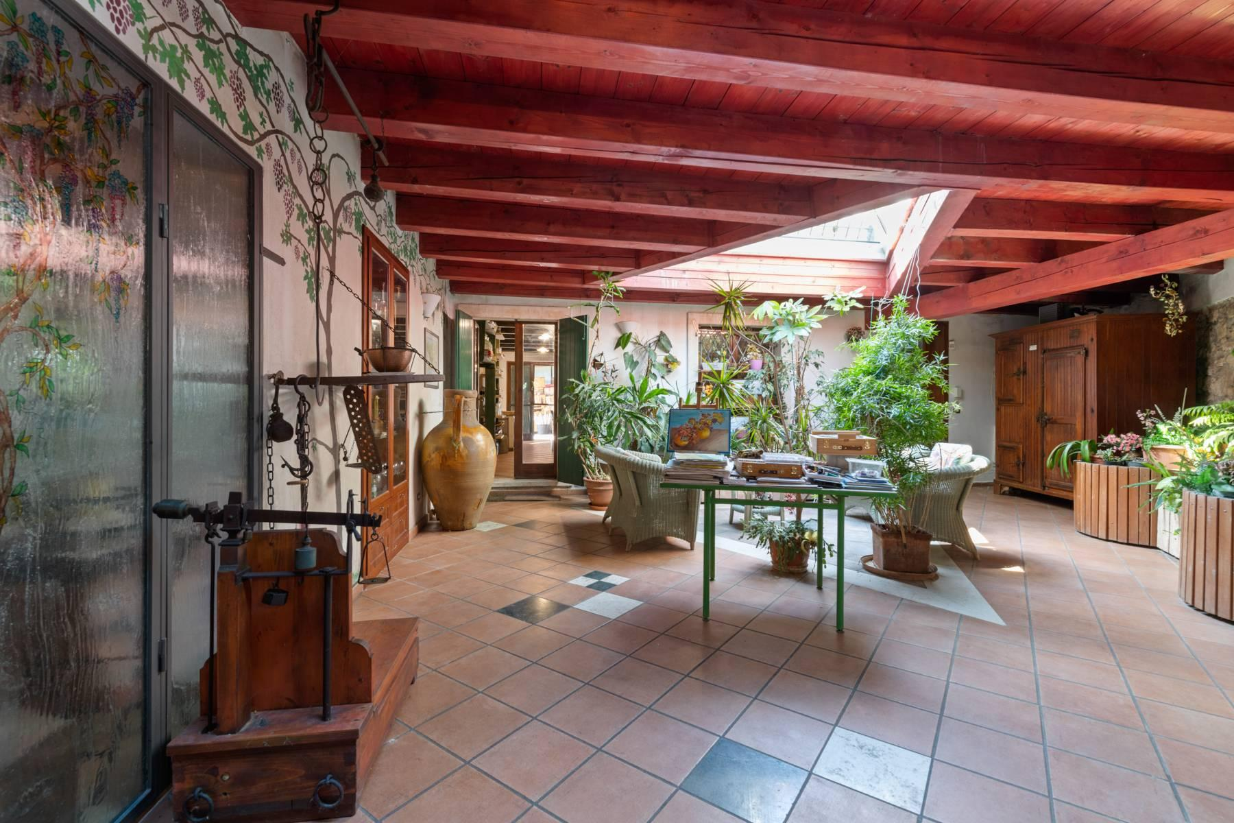 Storica villa di campagna con piscina e campo da tennis con tenuta nelle colline veronesi - 15