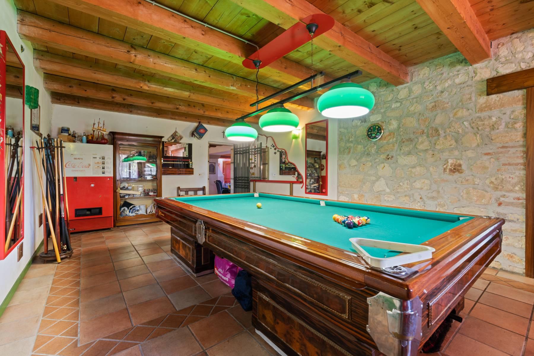 Storica villa di campagna con piscina e campo da tennis con tenuta nelle colline veronesi - 13
