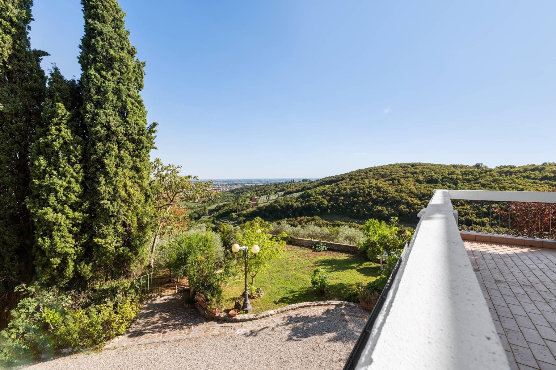 Storica villa di campagna con piscina e campo da tennis con tenuta nelle colline veronesi - 20