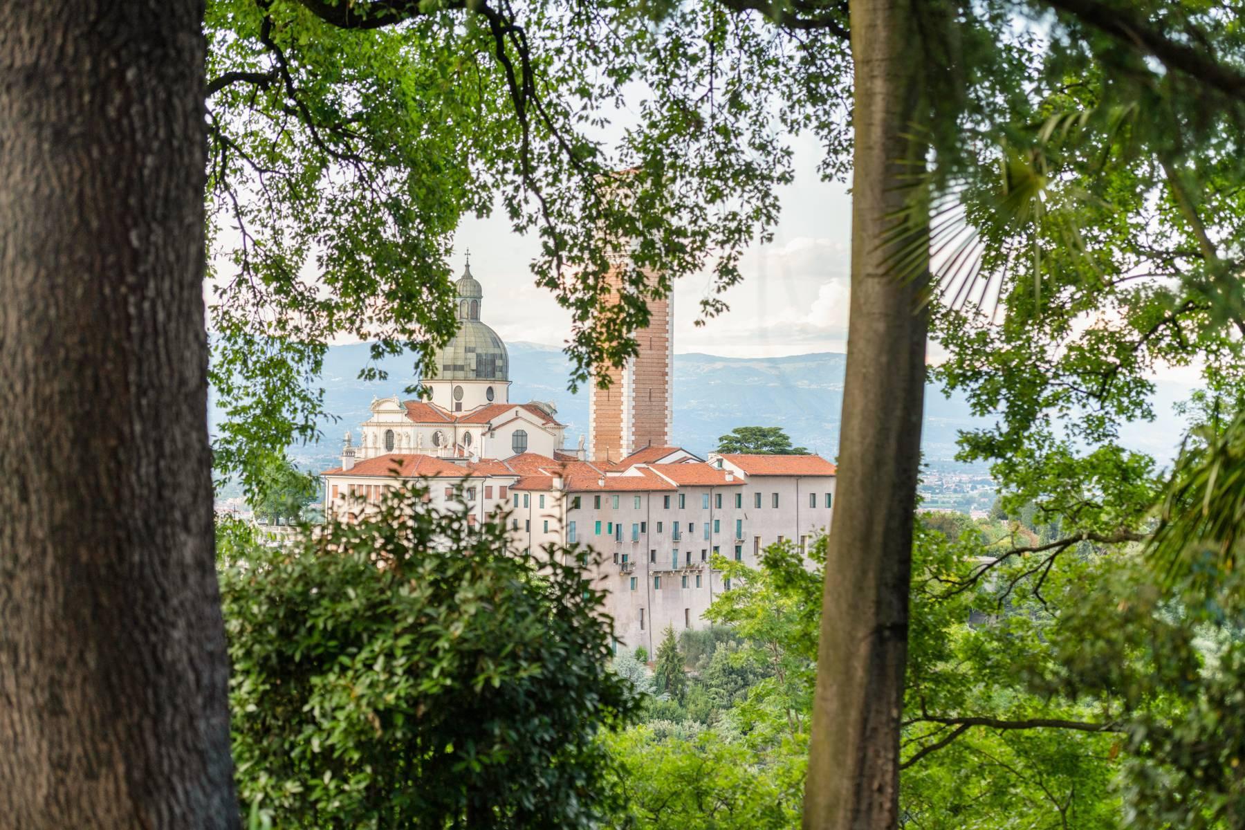 Elegante villa storica con parco privato sulla sommità del Monte Berico - 32