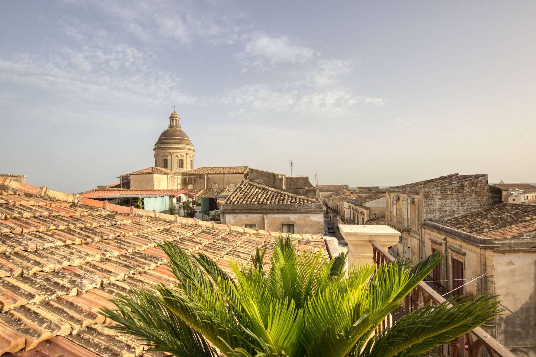 Elegante Wohnung mit Terrasse im historischen Zentrum von Noto - 12