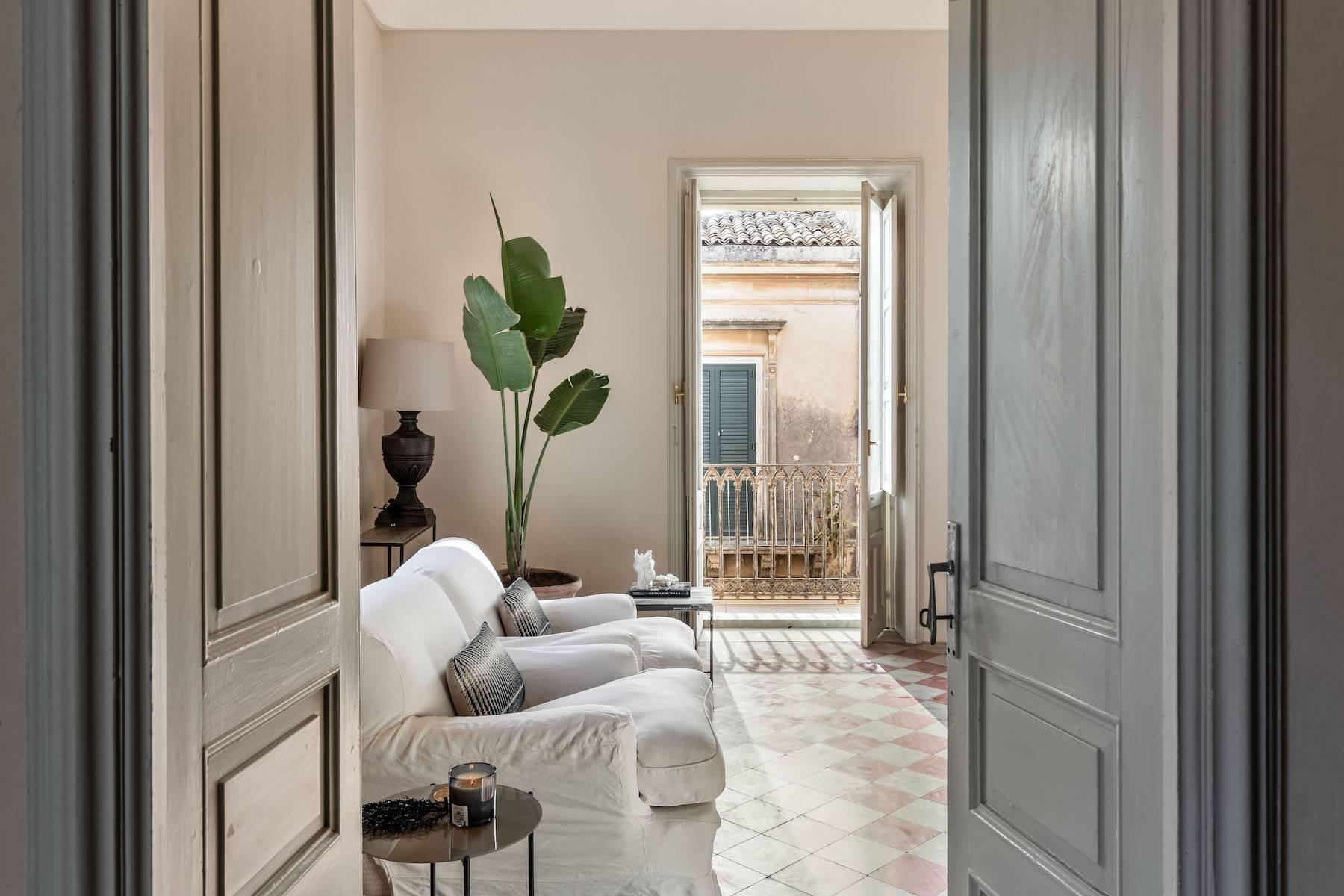 Elegante Wohnung mit Terrasse im historischen Zentrum von Noto - 13