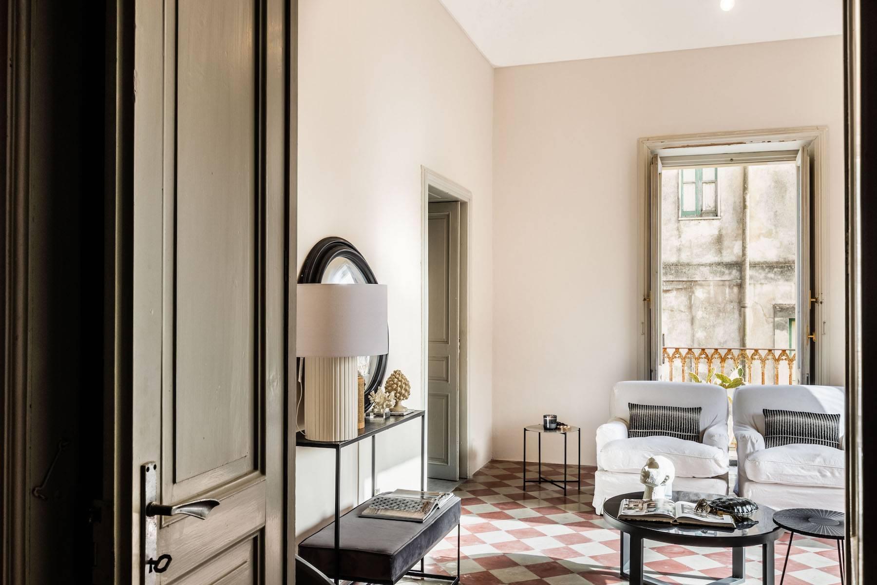 Elegante appartamento con terrazzo nel centro storico di Noto - 5