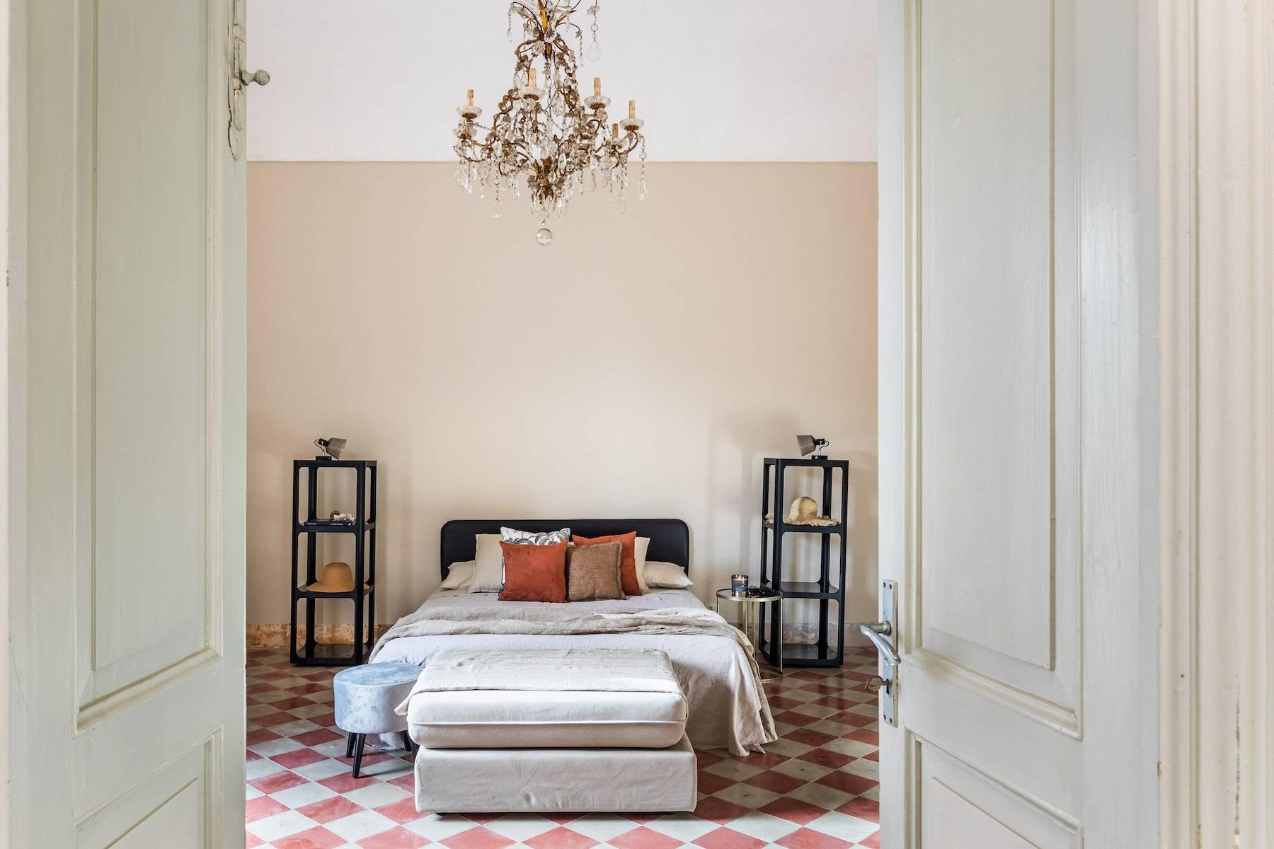 Elegante appartamento con terrazzo nel centro storico di Noto - 8