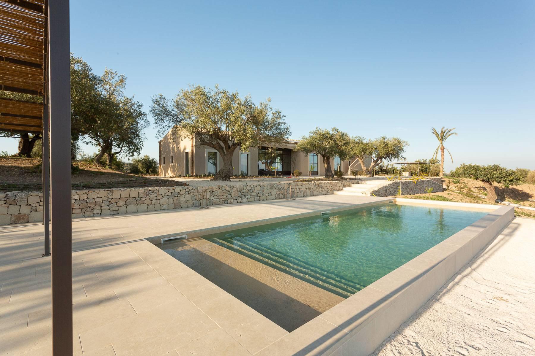 Lussuosissimo casale di design con piscina in Val di Noto - 41