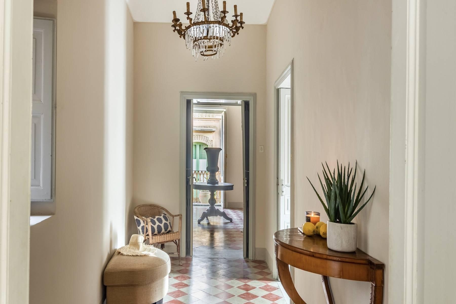 Elegante appartamento con terrazzo nel centro storico di Noto - 3