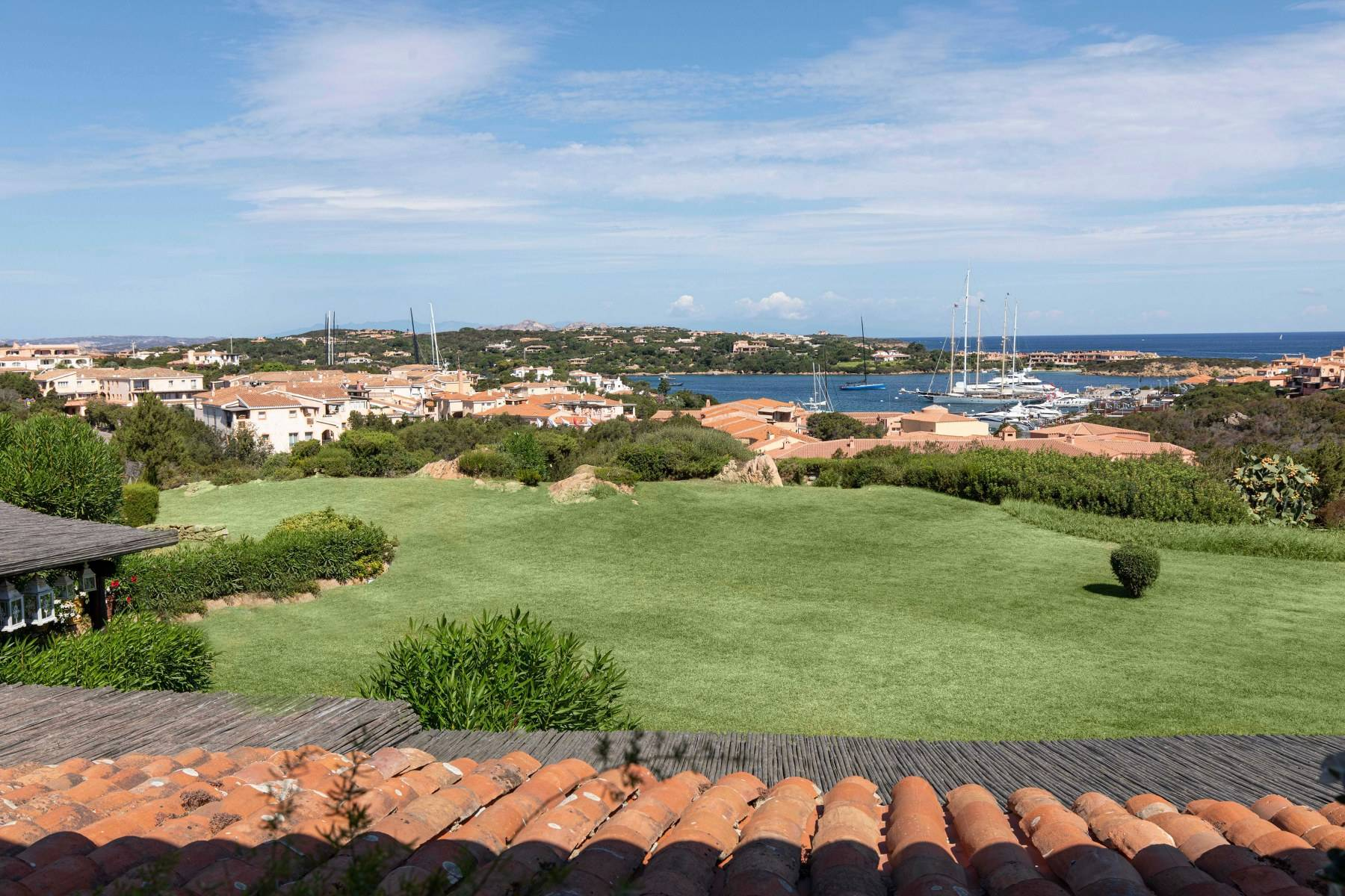 Elegant and cozy apartment overlooking the sea and the marina of Porto Cervo - 11