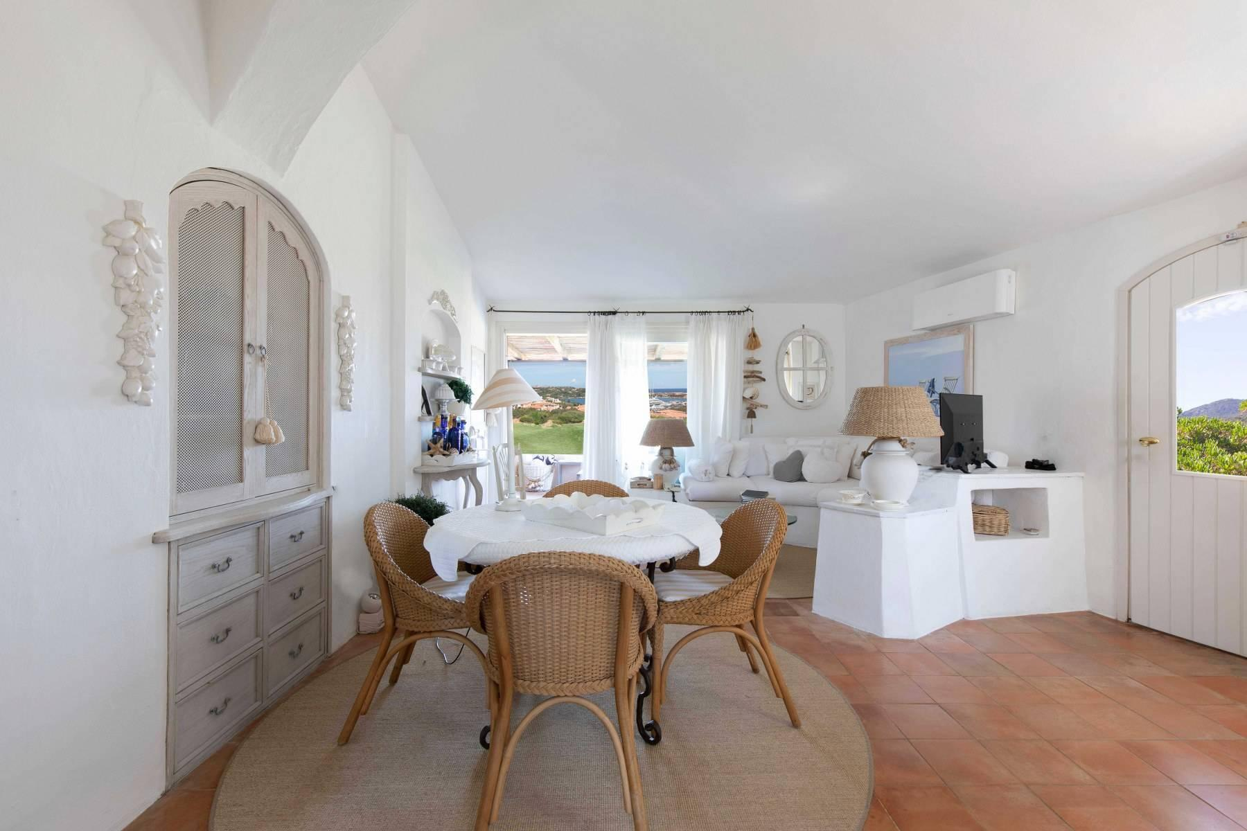 Elegant and cozy apartment overlooking the sea and the marina of Porto Cervo - 4