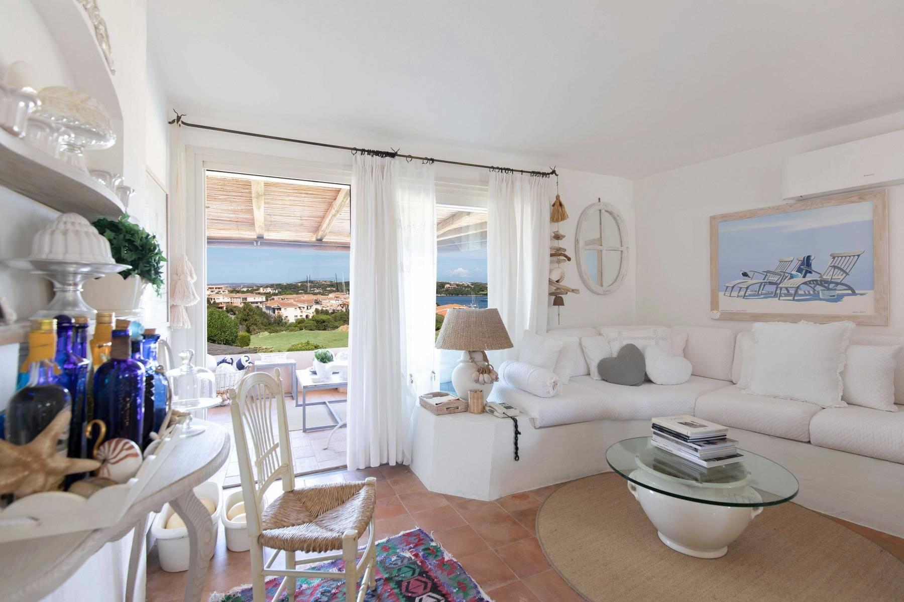 Elegant and cozy apartment overlooking the sea and the marina of Porto Cervo - 3