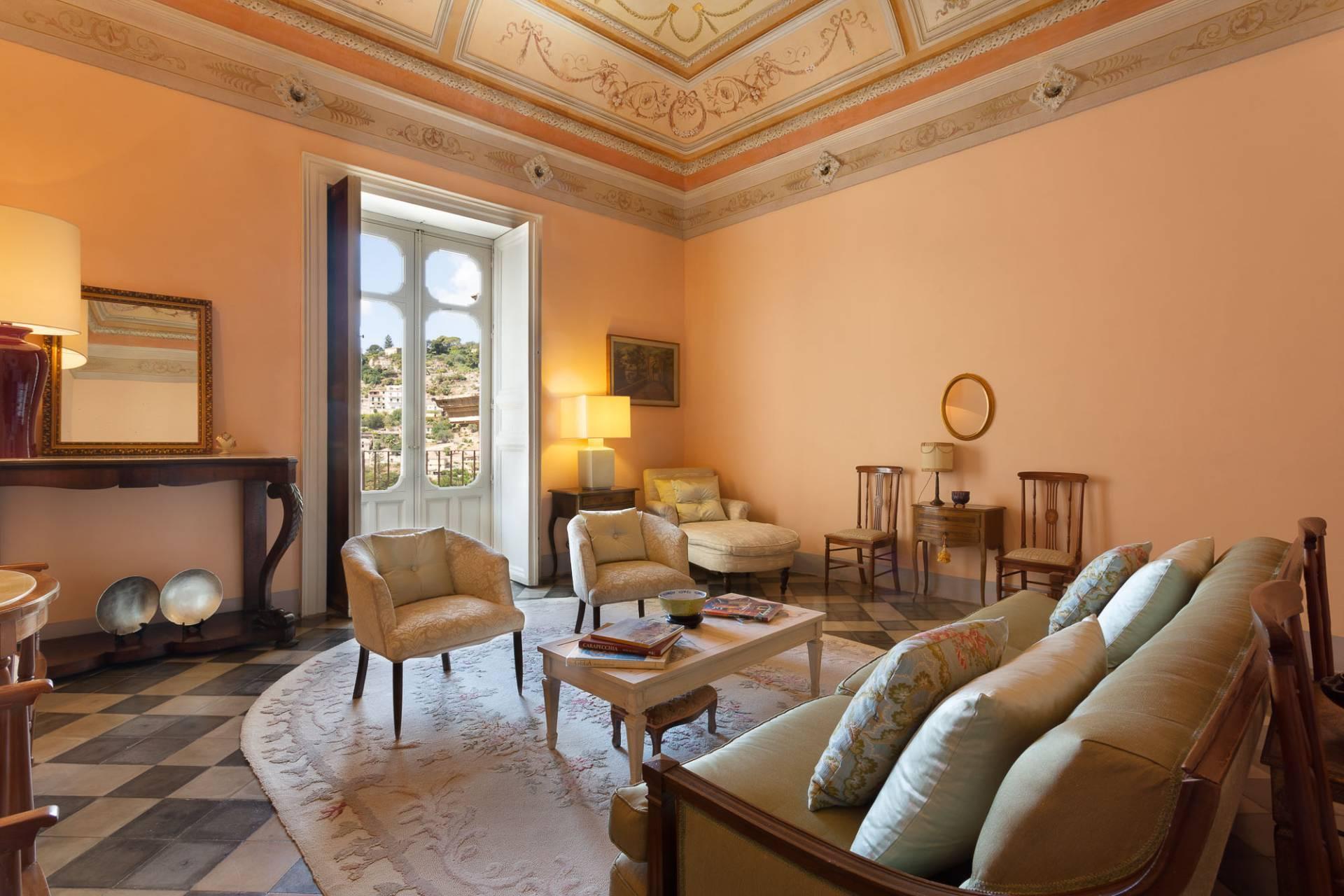 Esclusivo appartamento con terrazzo Immerso nel barocco modicano - 9