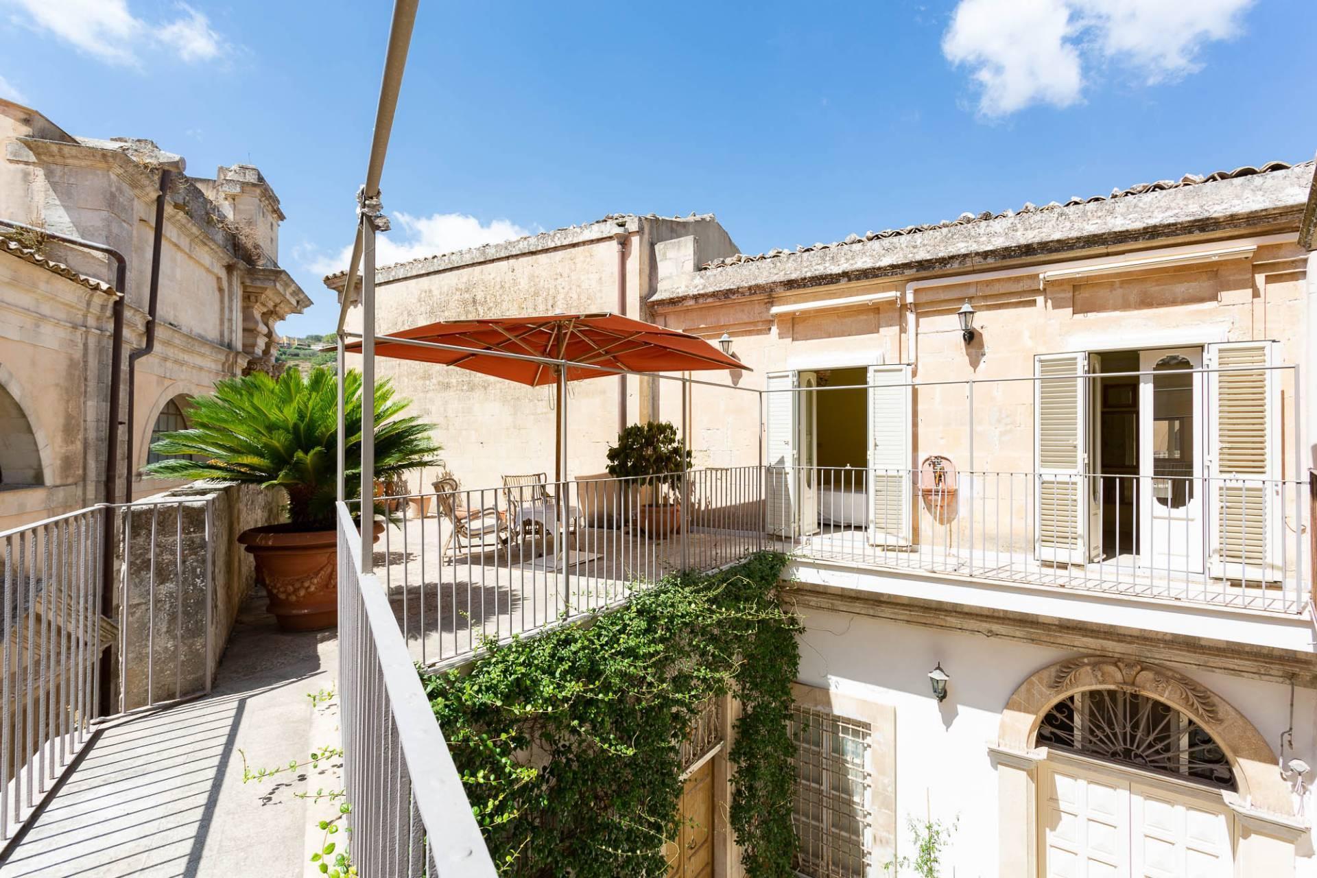Esclusivo appartamento con terrazzo Immerso nel barocco modicano - 12