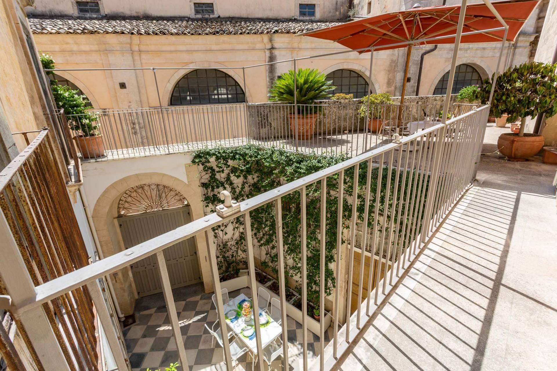 Esclusivo appartamento con terrazzo Immerso nel barocco modicano - 14