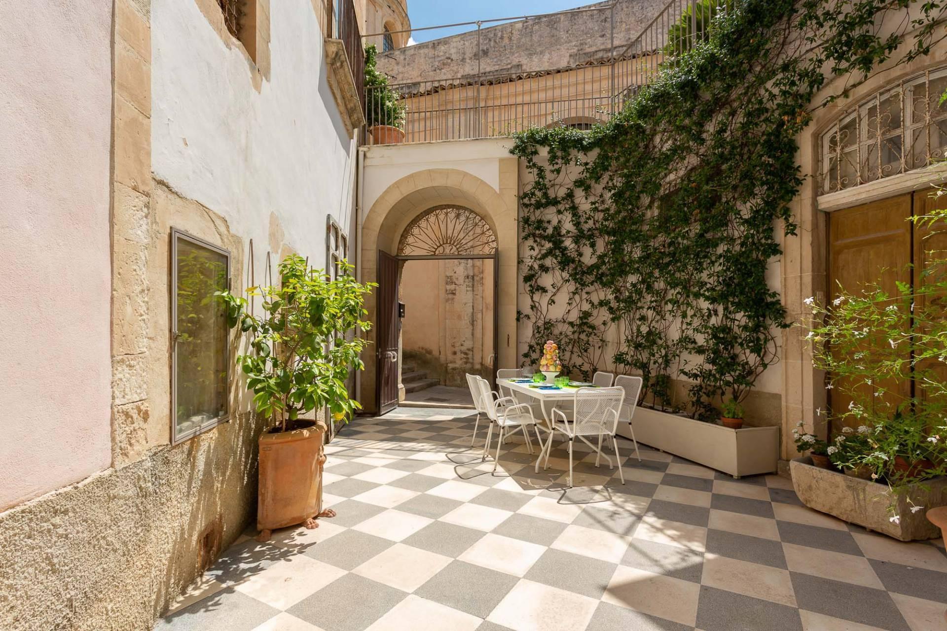 Esclusivo appartamento con terrazzo Immerso nel barocco modicano - 31