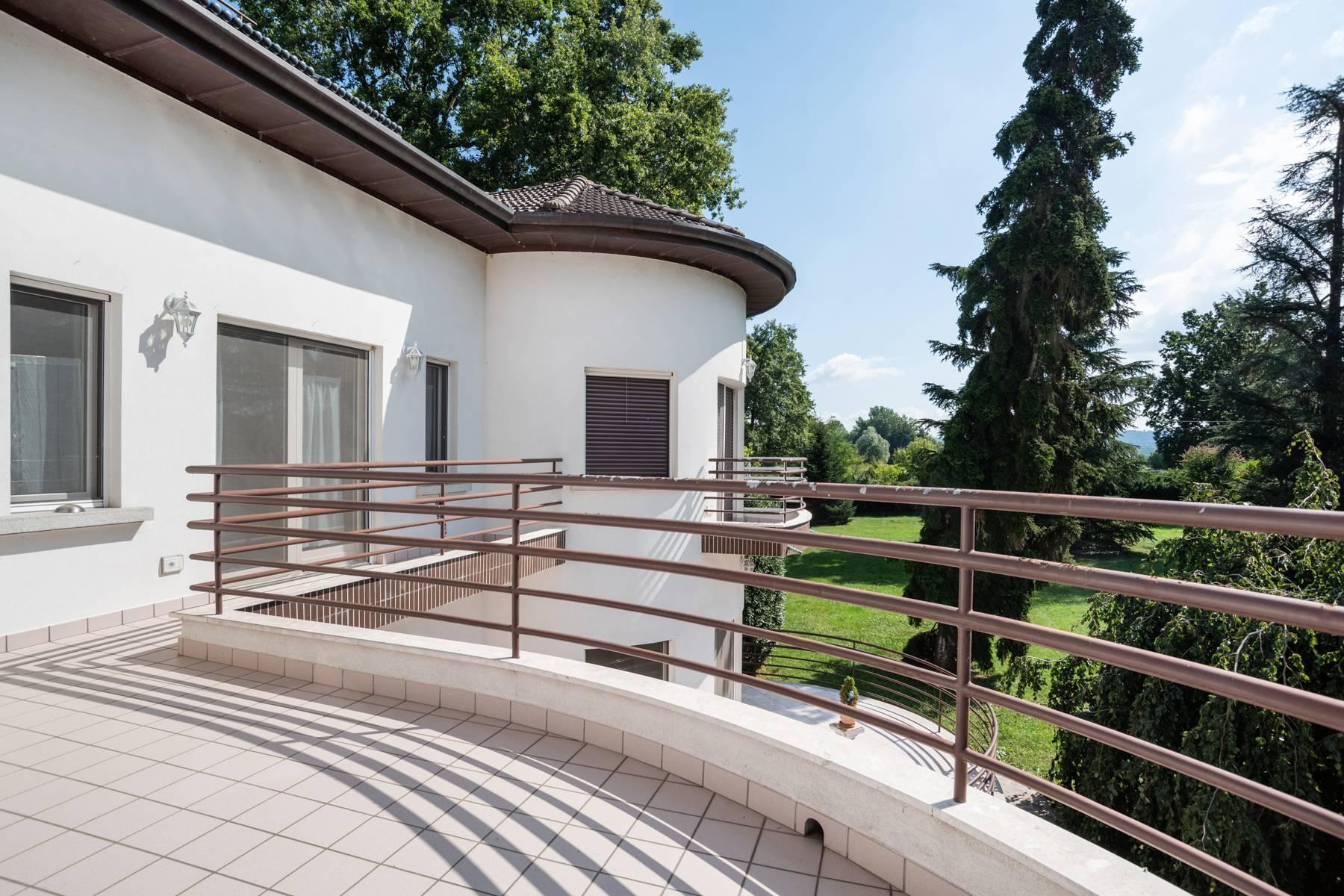 Pieds-dans-l'eau Villa mit Blick auf den See - 26