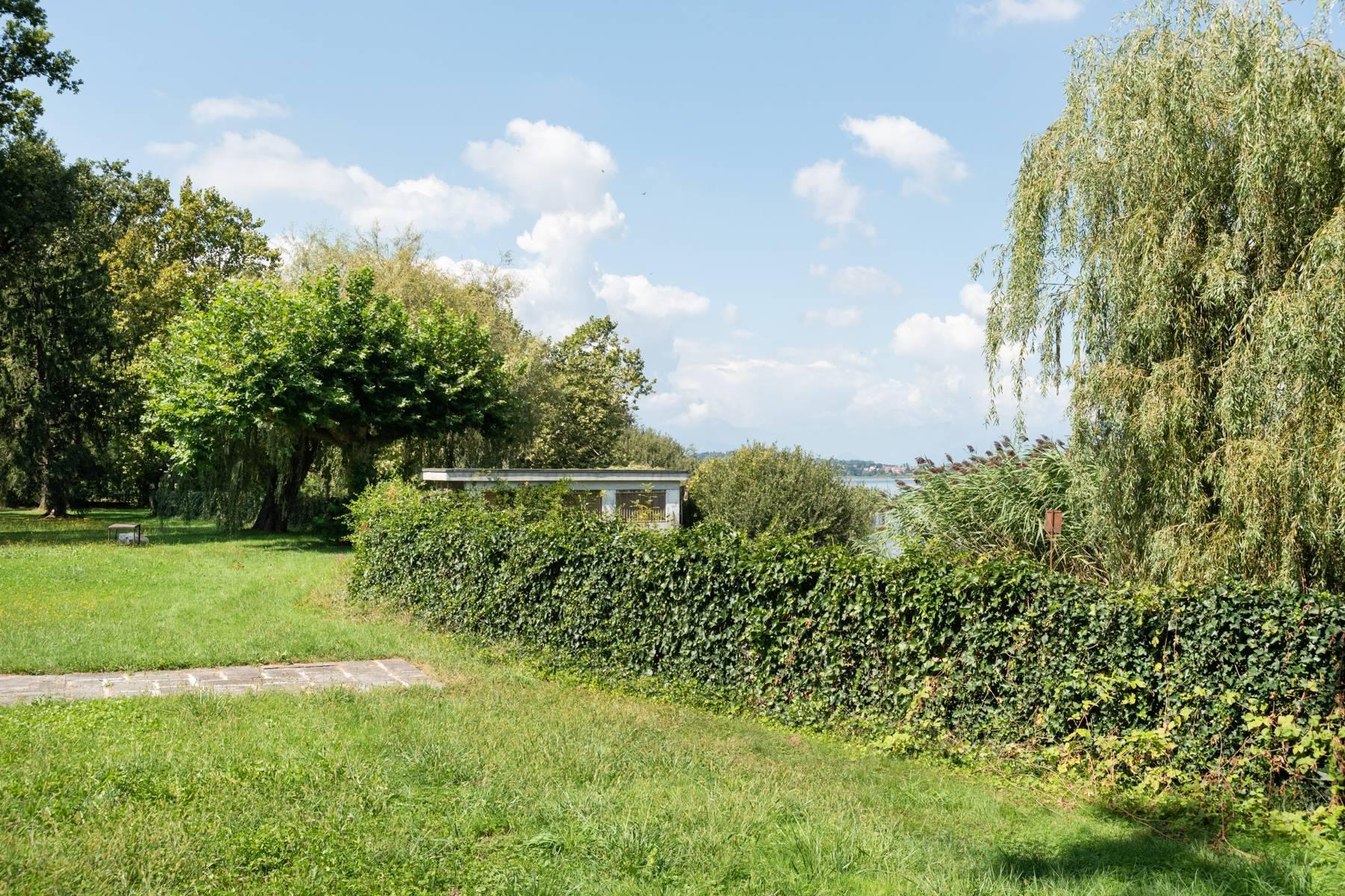 Pieds-dans-l'eau Villa mit Blick auf den See - 31
