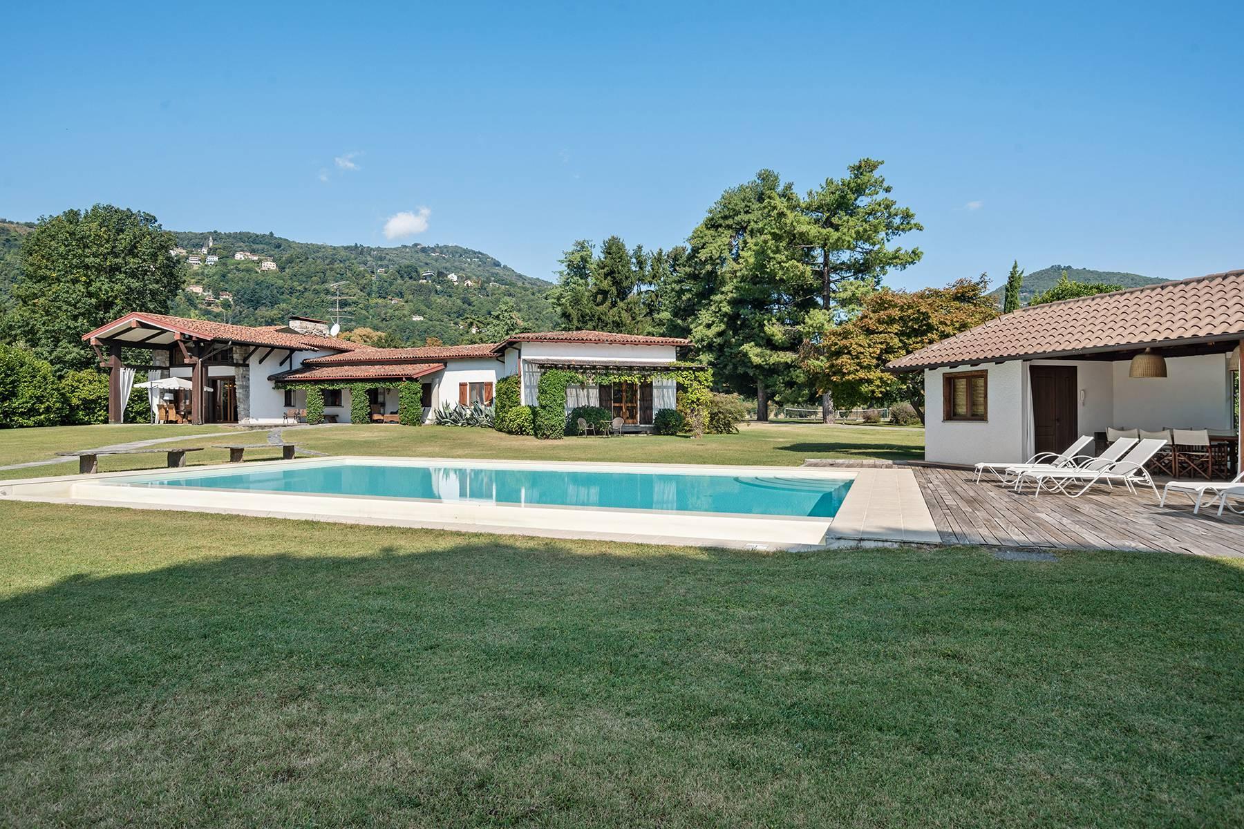 Charmante Villa in Lesa, mitten in der Natur - 12