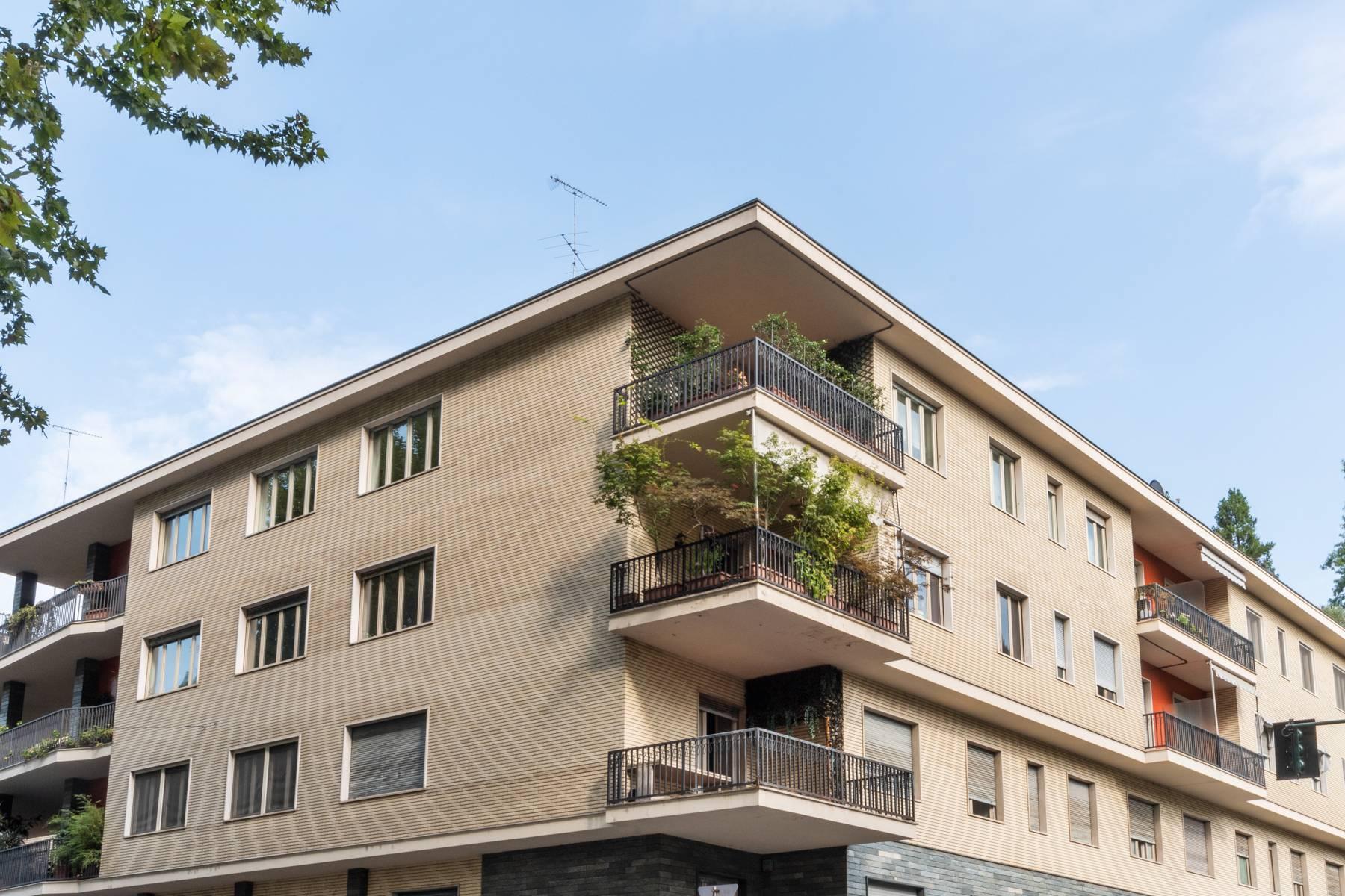Luminoso appartamento con terrazzo fronte Po - 12