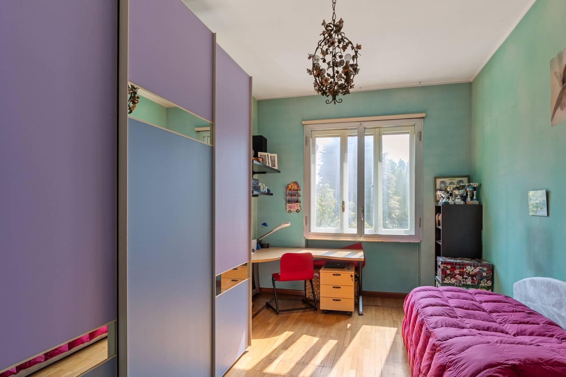 Luminoso appartamento con terrazzo fronte Po - 19