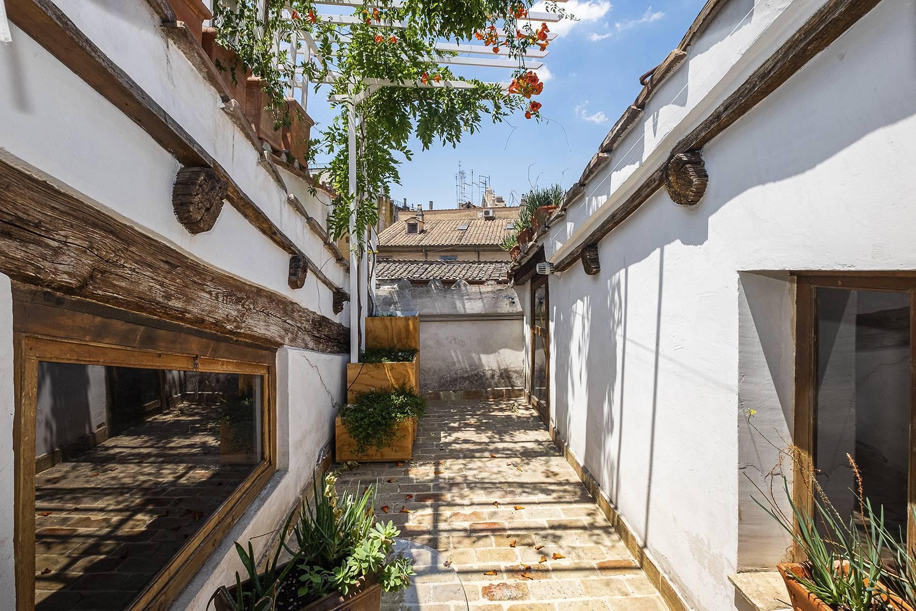 Splendido attico ristrutturato con giardini pensili panoramici - 22