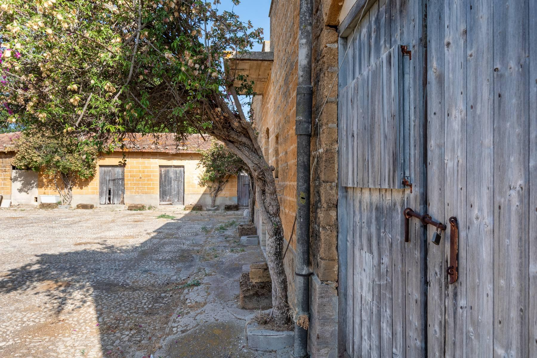 Charming farmhouse immersed in the Agrigento countryside - 8