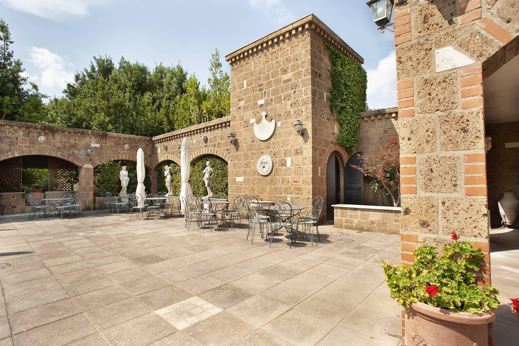 Elegante Villa mit Pool - 5