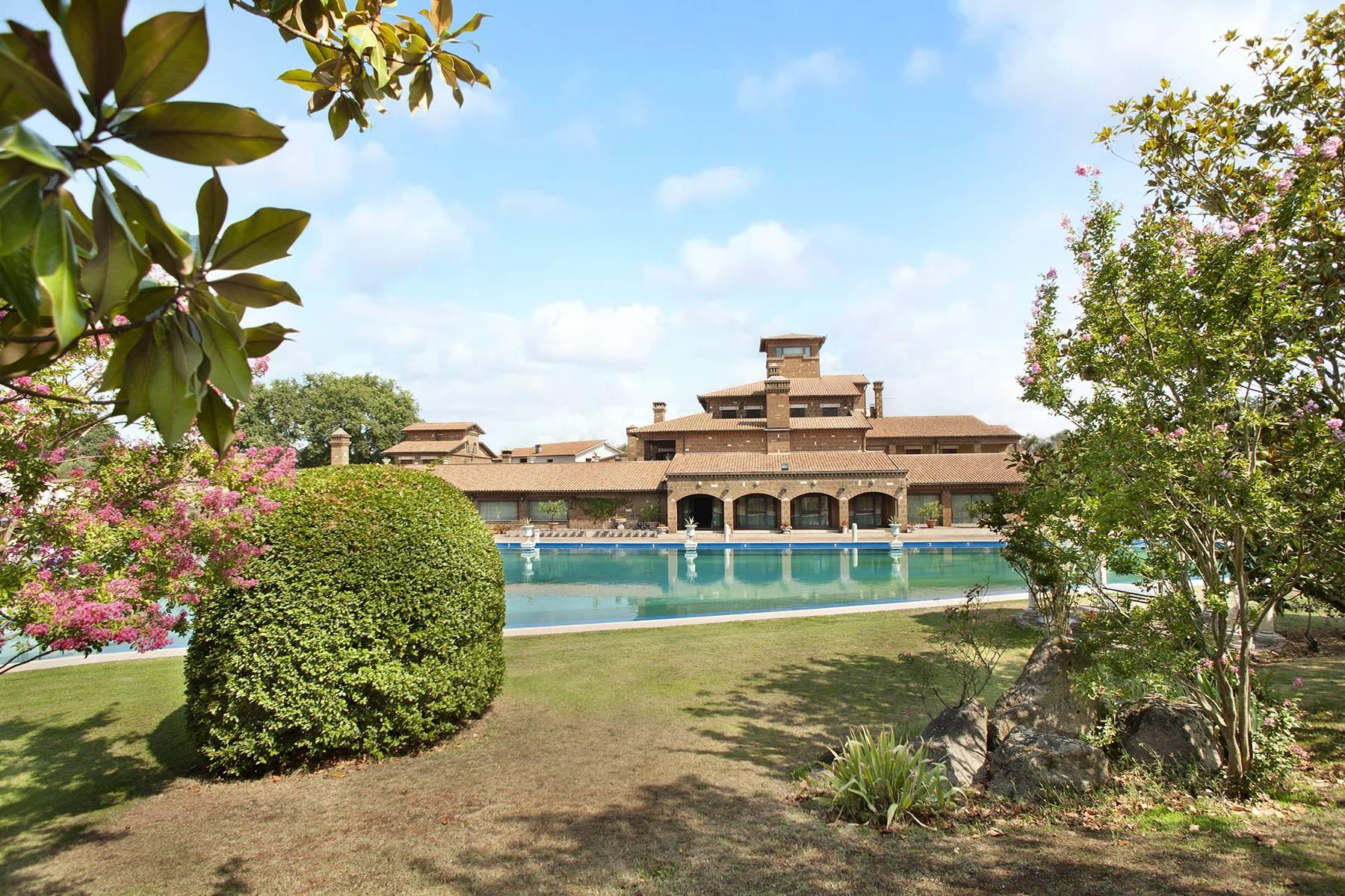 Elegante Villa mit Pool - 1