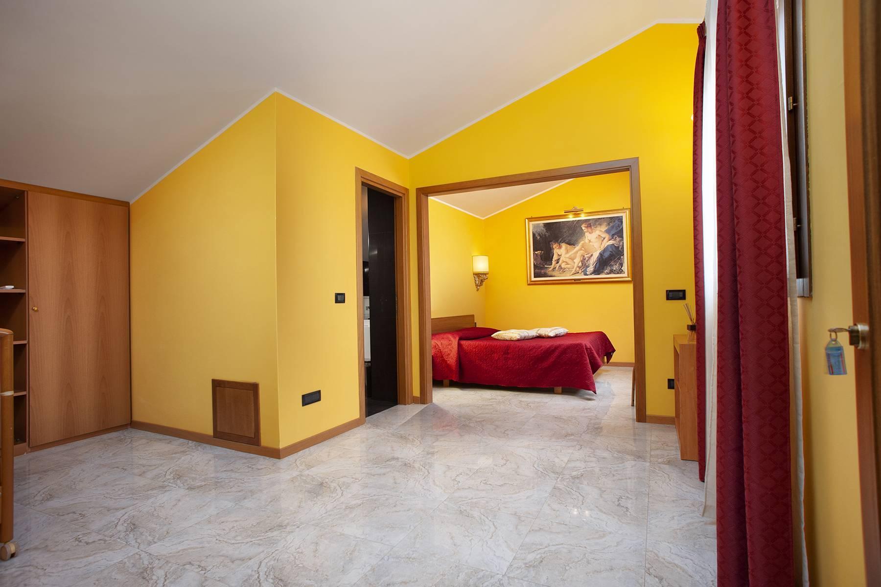 Elegante Villa mit Pool - 17