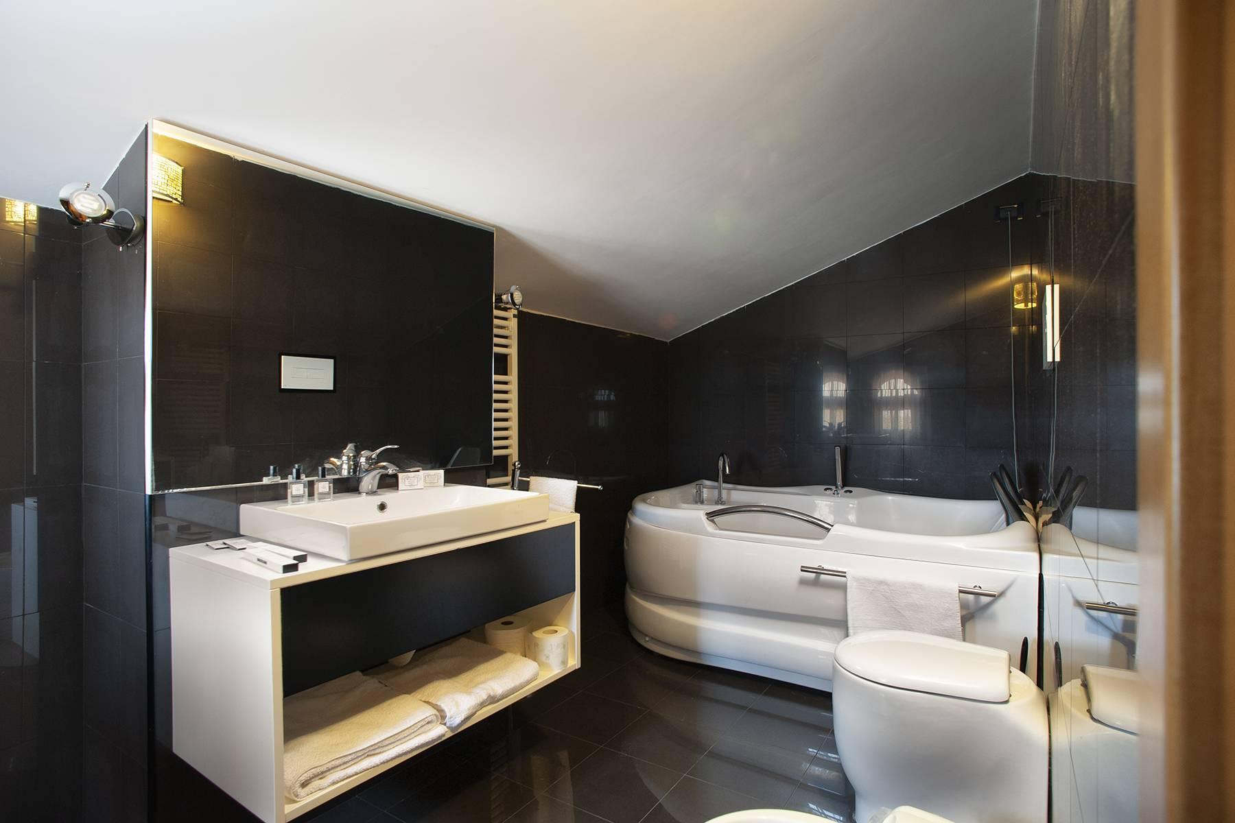Elegante Villa mit Pool - 18