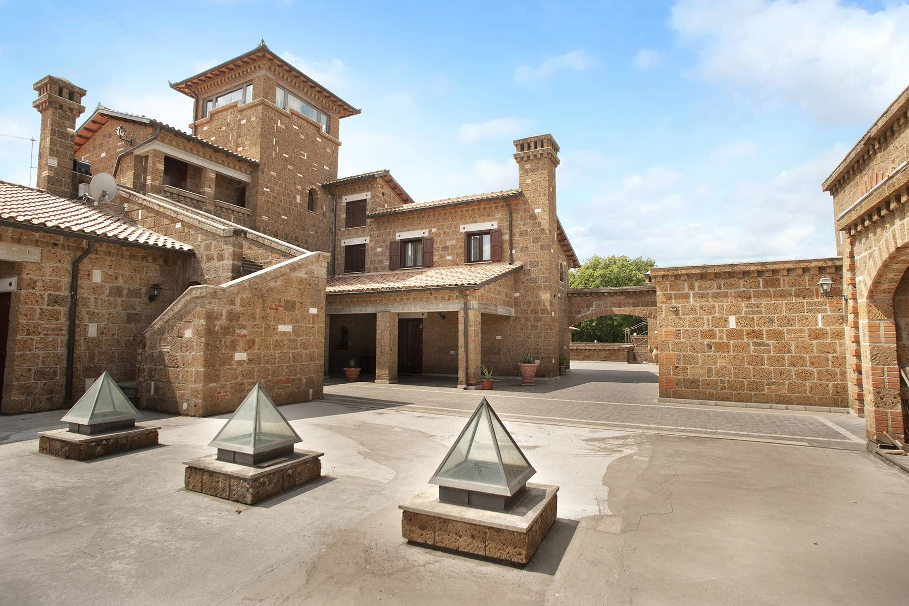 Elegante Villa mit Pool - 24
