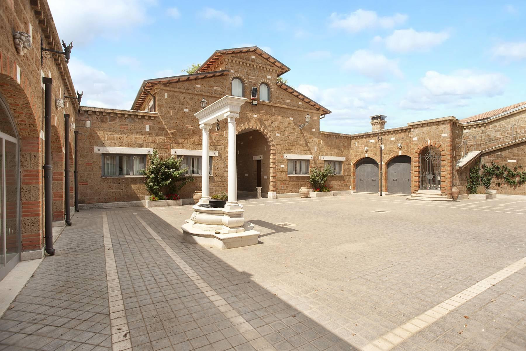Elegante Villa mit Pool - 28