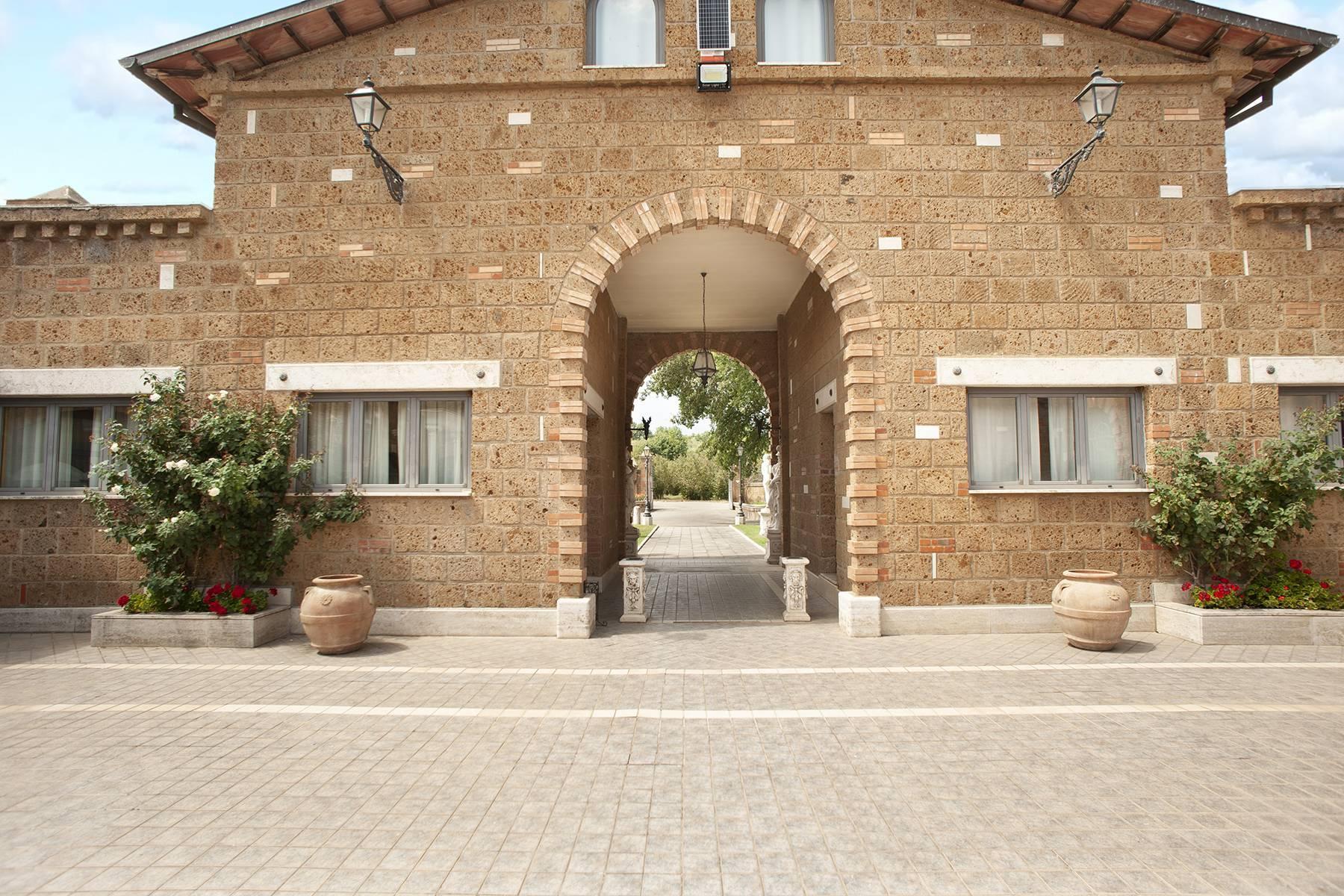 Elegante Villa mit Pool - 29