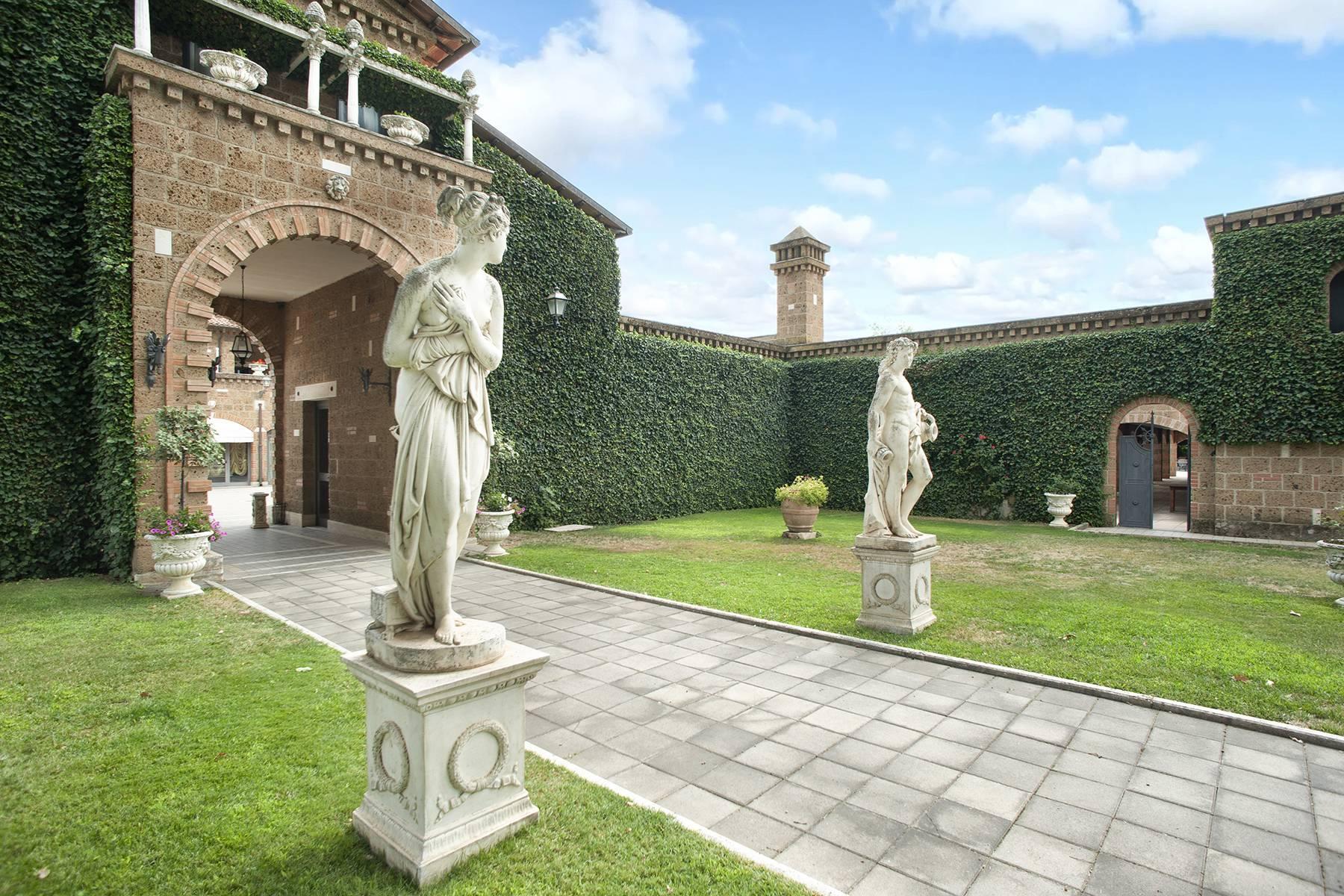 Elegante Villa mit Pool - 31